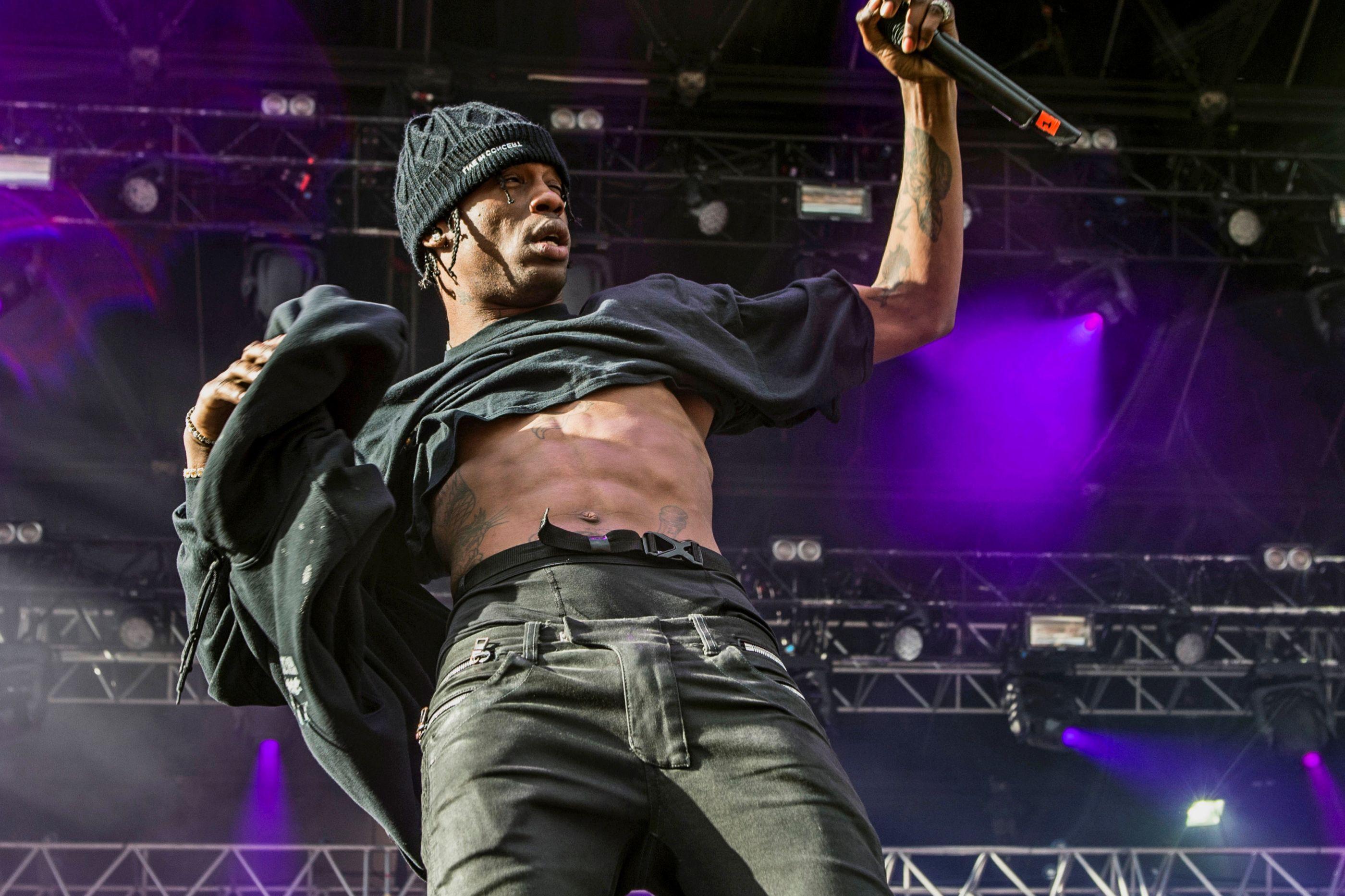 DJ acusa Travis Scott de plágio. Artista pede 20 milhões de dólares