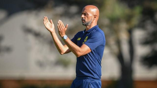 Celta despede treinador, não perde tempo e contrata Miguel Cardoso