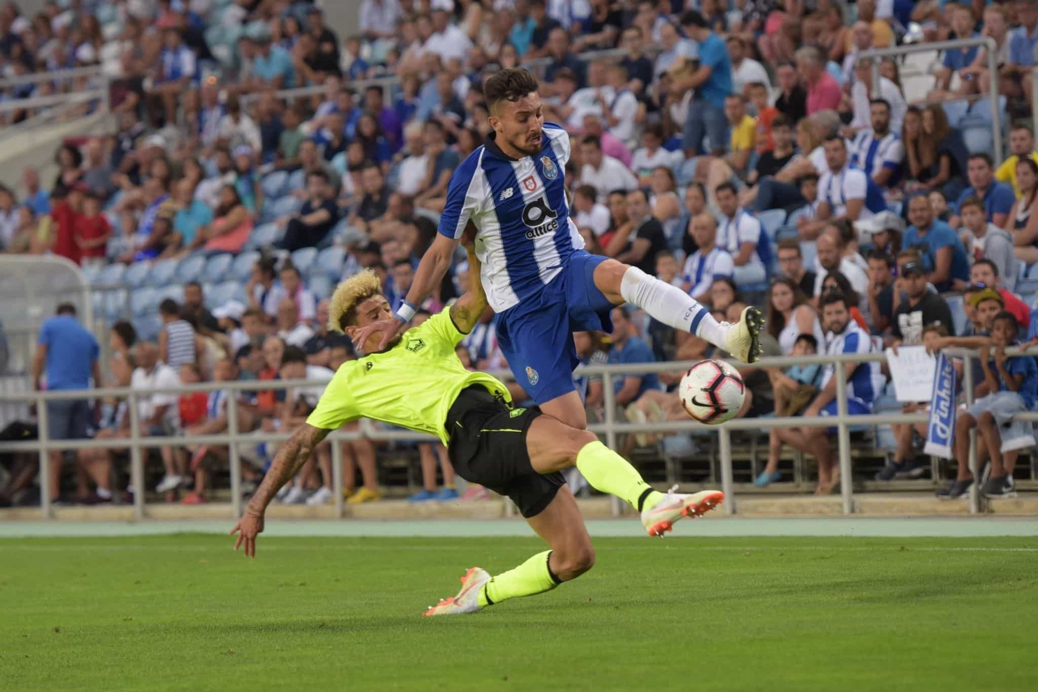 Pinto da Costa deixa aviso aos clubes interessados em Alex Telles