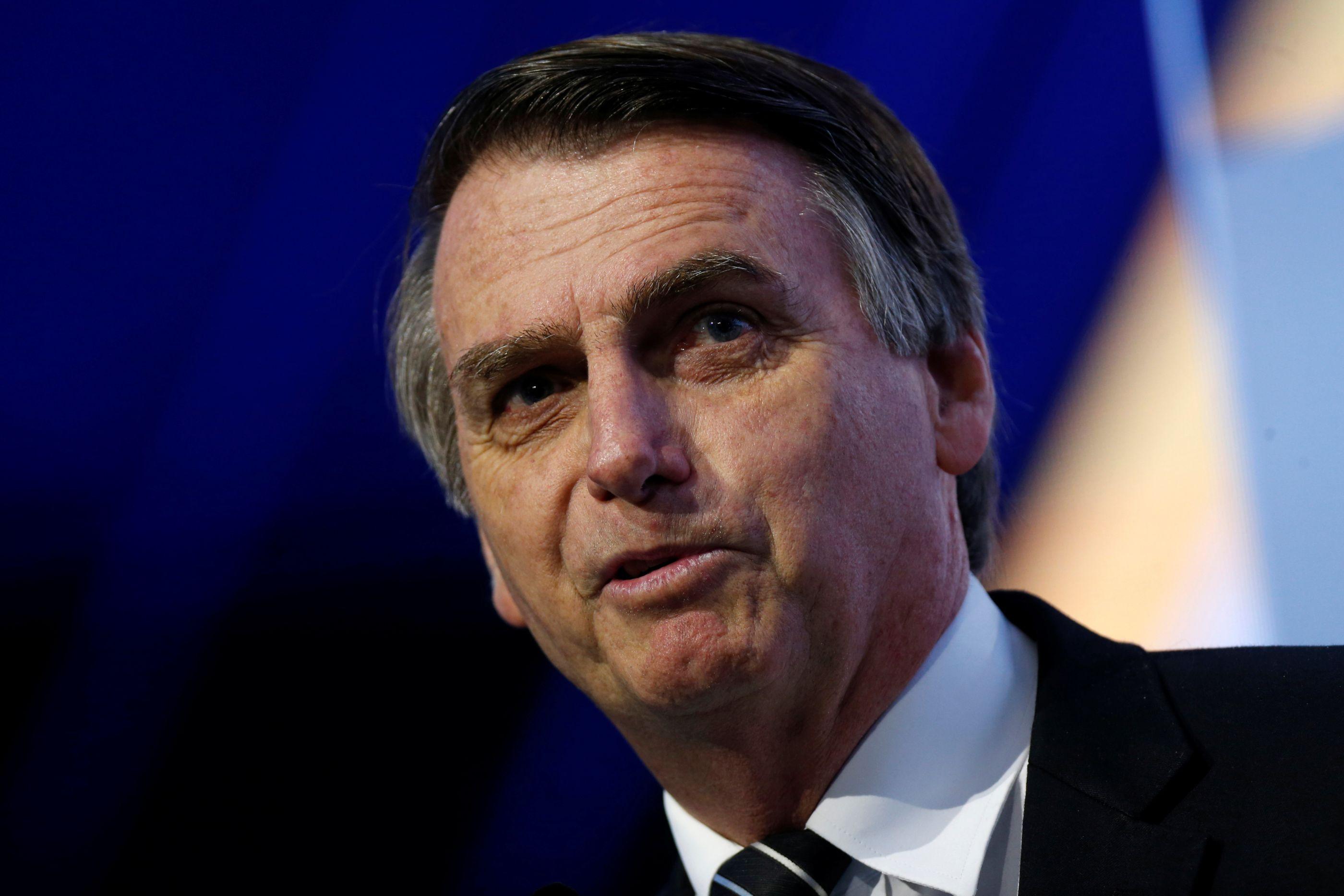 Fernando Henrique Cardoso e Bolsonaro trocam farpas no Twitter