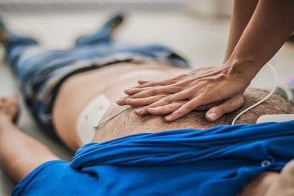 Bombeiro salva homem em paragem cardiorrespiratória em autocarro