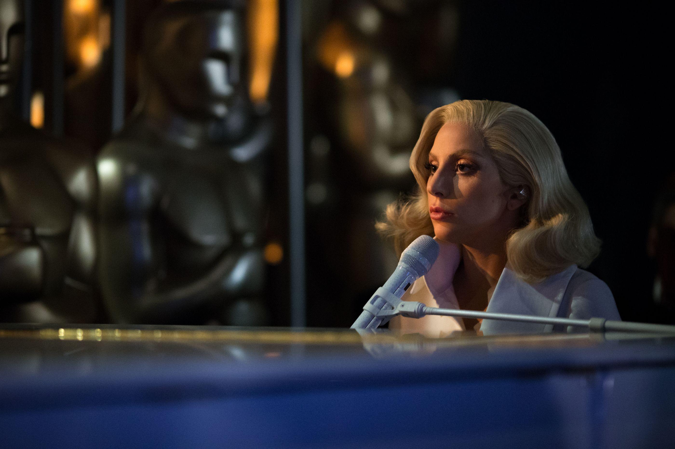"""Lady Gaga sobre crises mentais: """"Apagava por instantes. Via flashes"""""""
