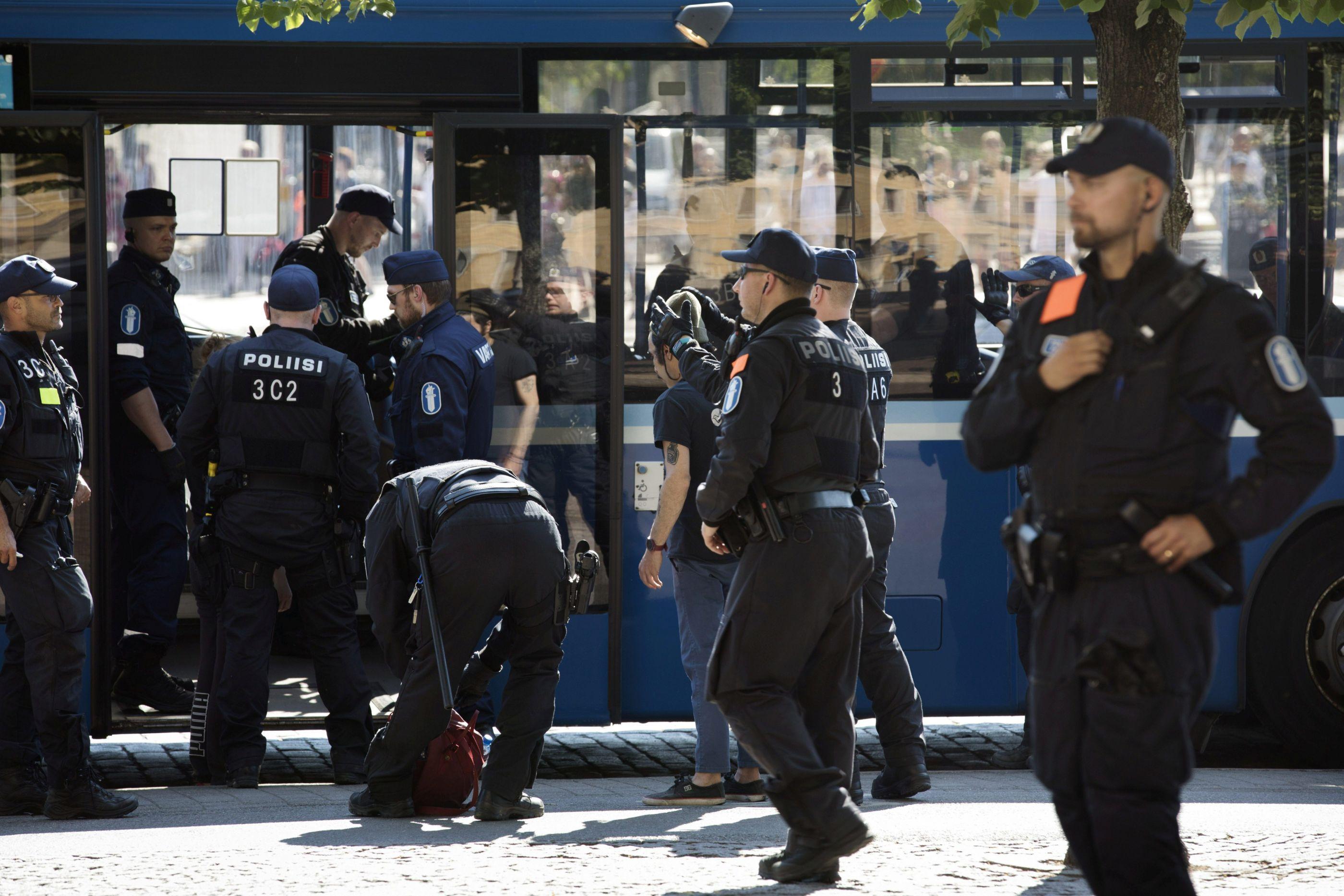 Detenções em Moscovo em protesto contra lei de desconexão da internet