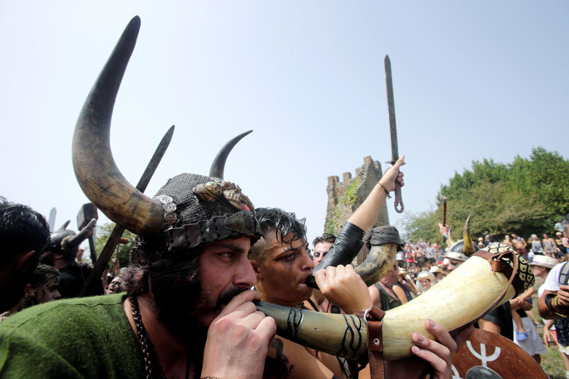 ec89ca0791d Todos os anos os vikings regressam à costa de Espanha... para festejar