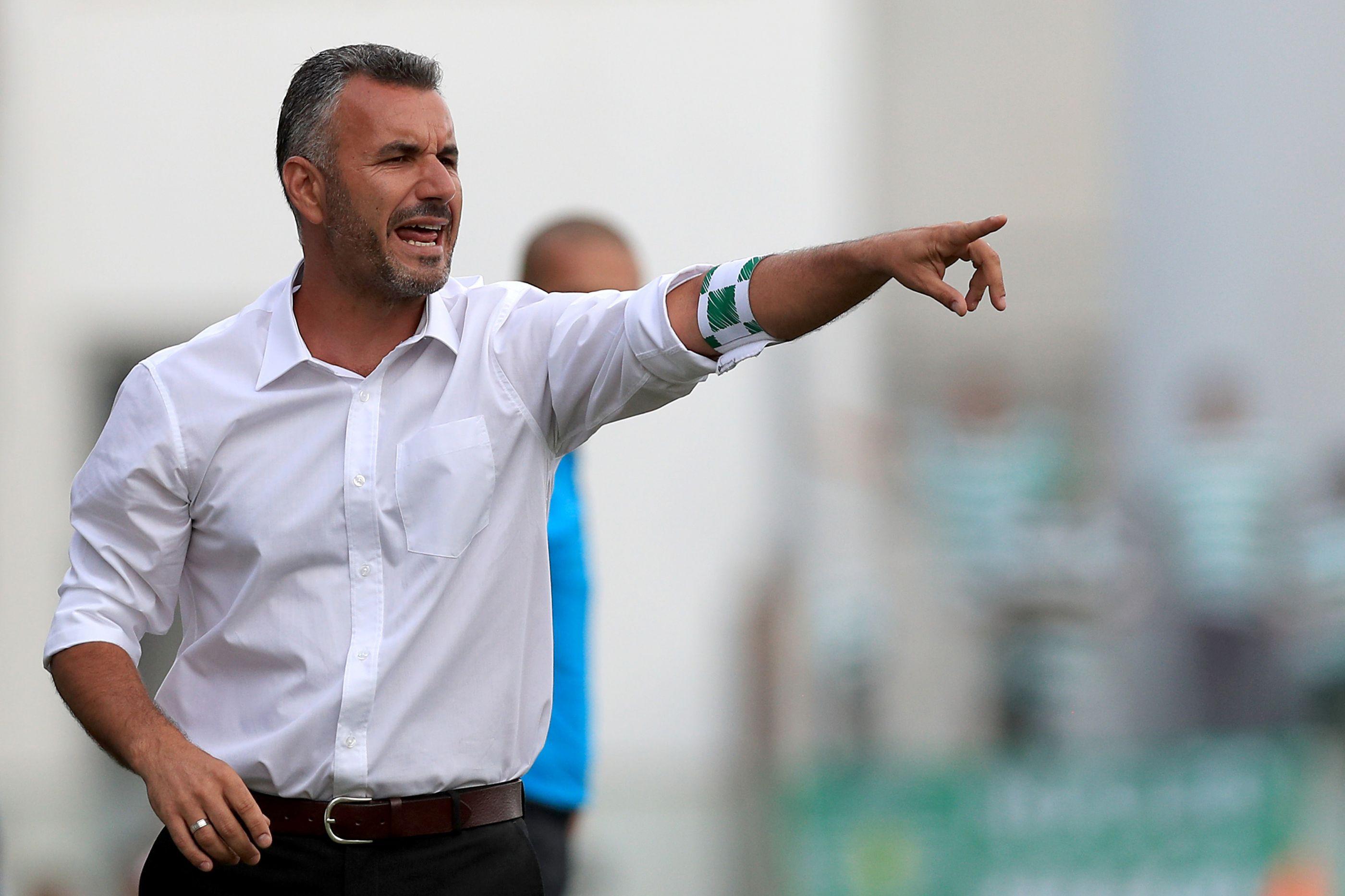 Moreirense vence Portimonense e 'cola-se' ao Benfica