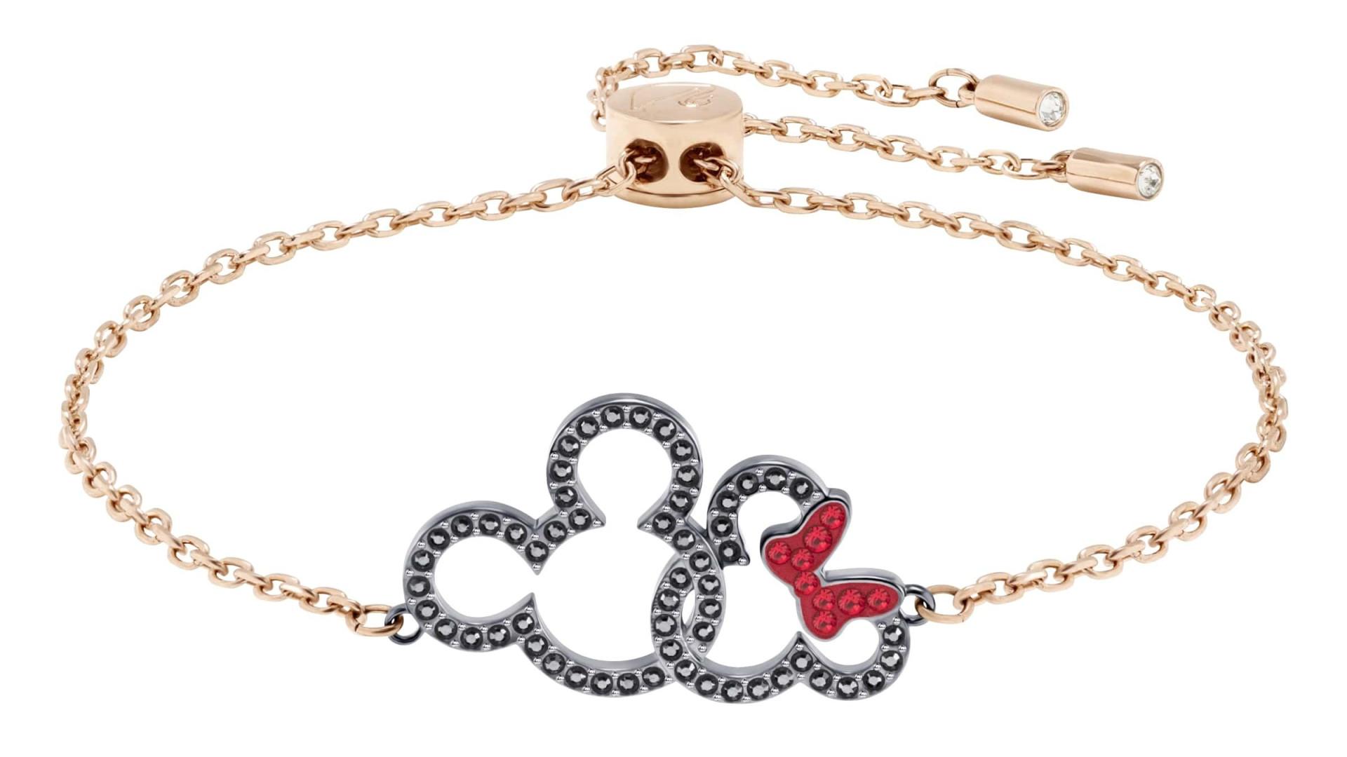 569917c3709 Swarovski celebra os 90 anos do Rato Mickey com uma brilhante coleção