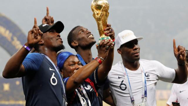 """Irmão de Pogba não tem dúvidas: """"O problema era Mourinho"""""""