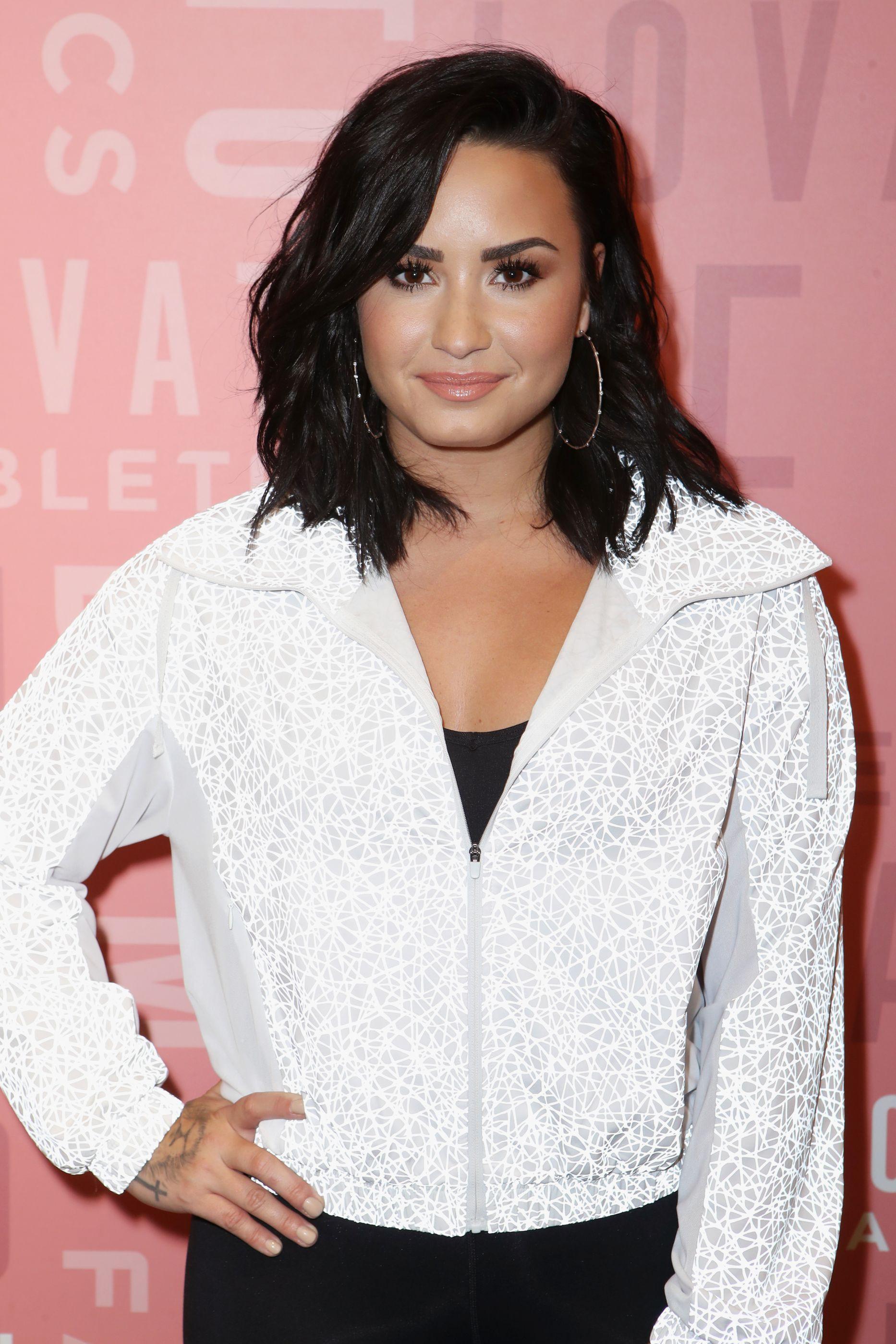 Demi Lovato volta a internar-se numa clínica de reabilitação
