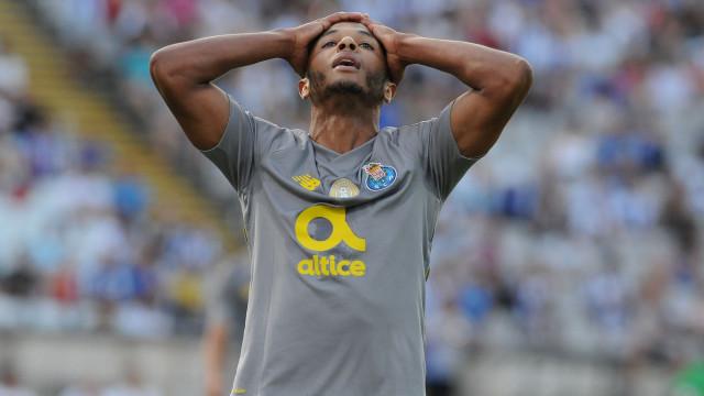 Alerta Brahimi: Renovação complica-se e FC Porto não escapa a pagamento