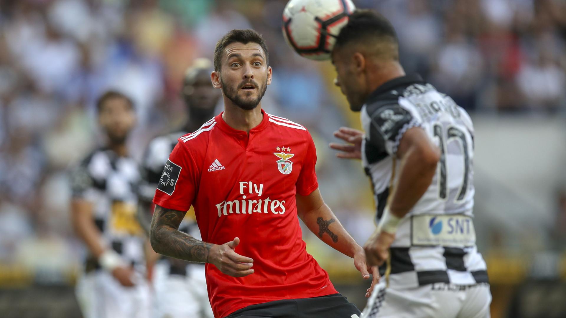 6d30882f21a Benfica quer vender três jogadores em janeiro e há sete nomes em equação