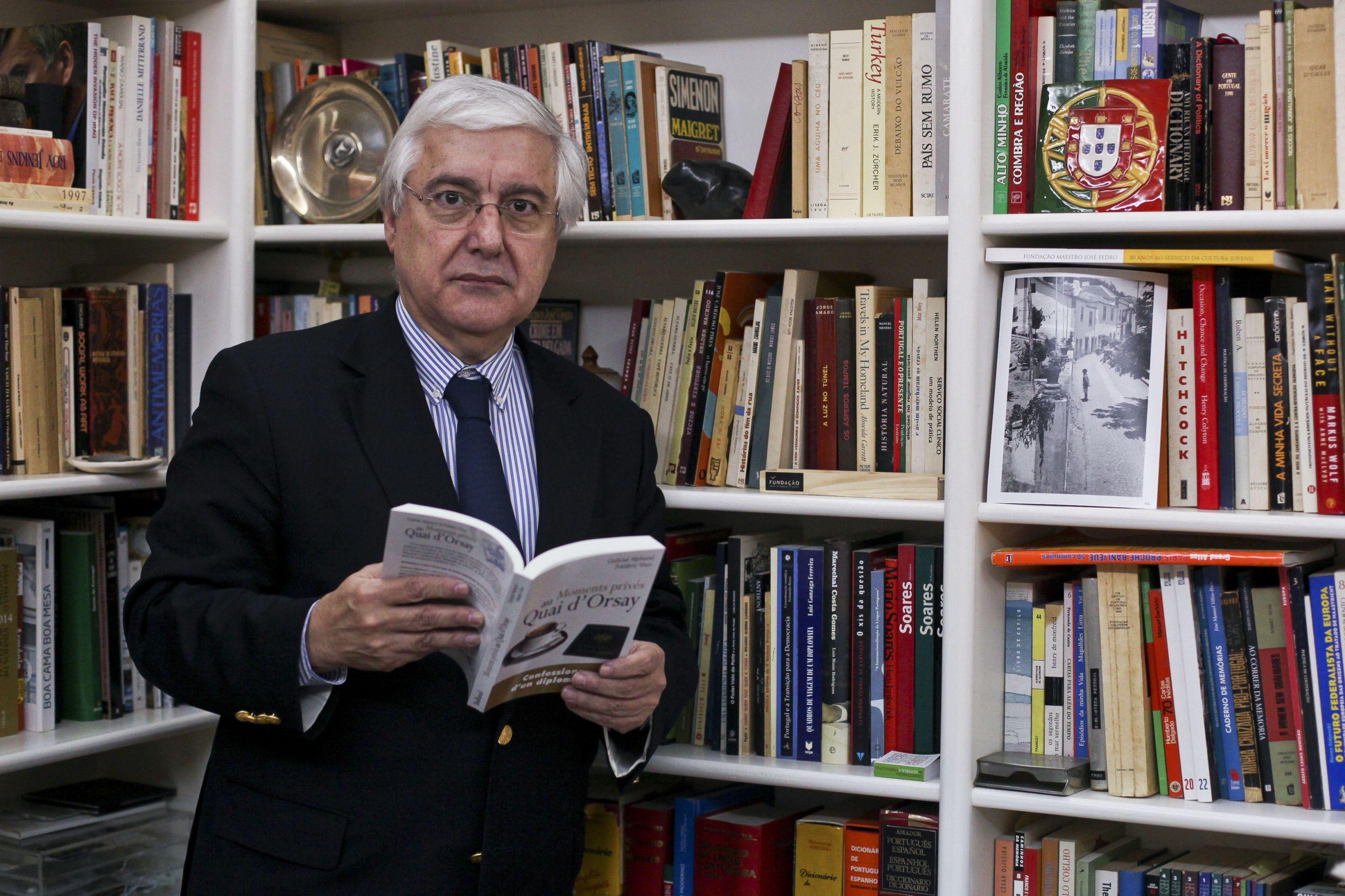 """Diplomata e ex-governante chama """"javardo"""" a Sérgio Conceição"""