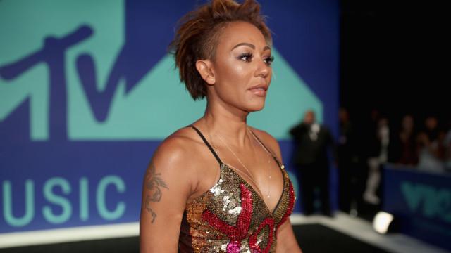 Mel B paga fortuna a ex-ama que chamou de prostituta