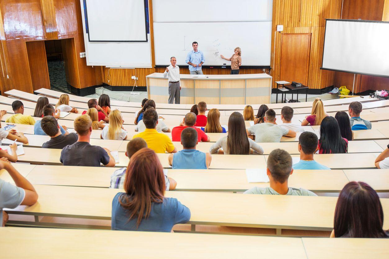 Comparando com a Europa, como 'vão' as propinas pagas pelos estudantes cá