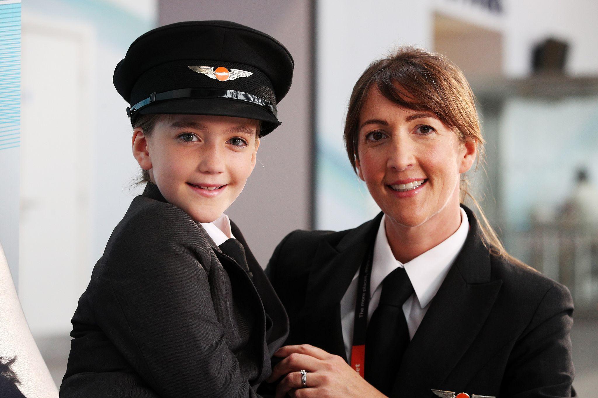 easyJetlança campanha por mais mulheres na indústria de aviação