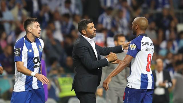 Herrera e Brahimi estão de saída, mas o destino da fuga pode ser o mesmo