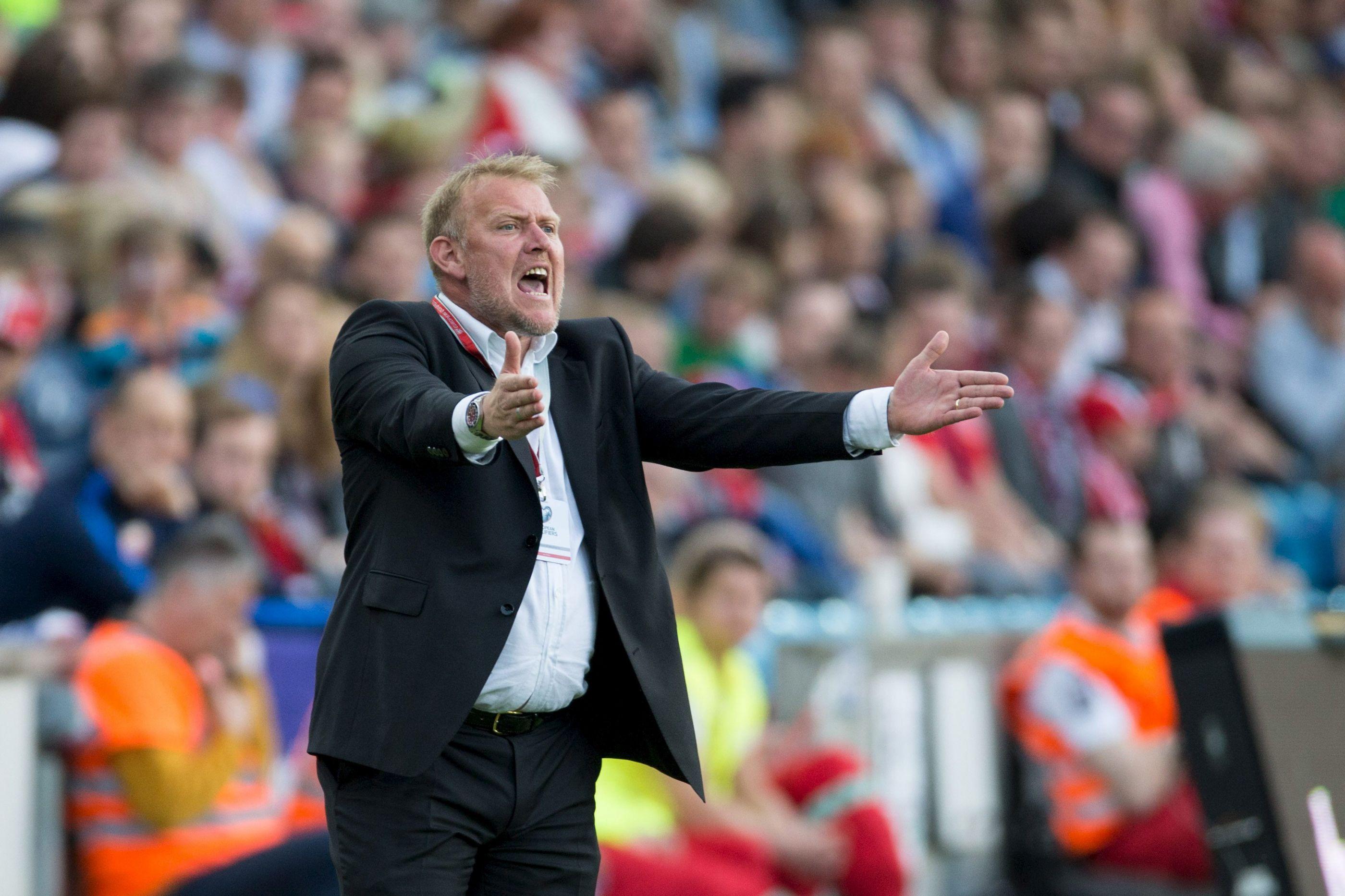 Excesso de peso de Prosinecki e imagem do treinador já se tornou viral