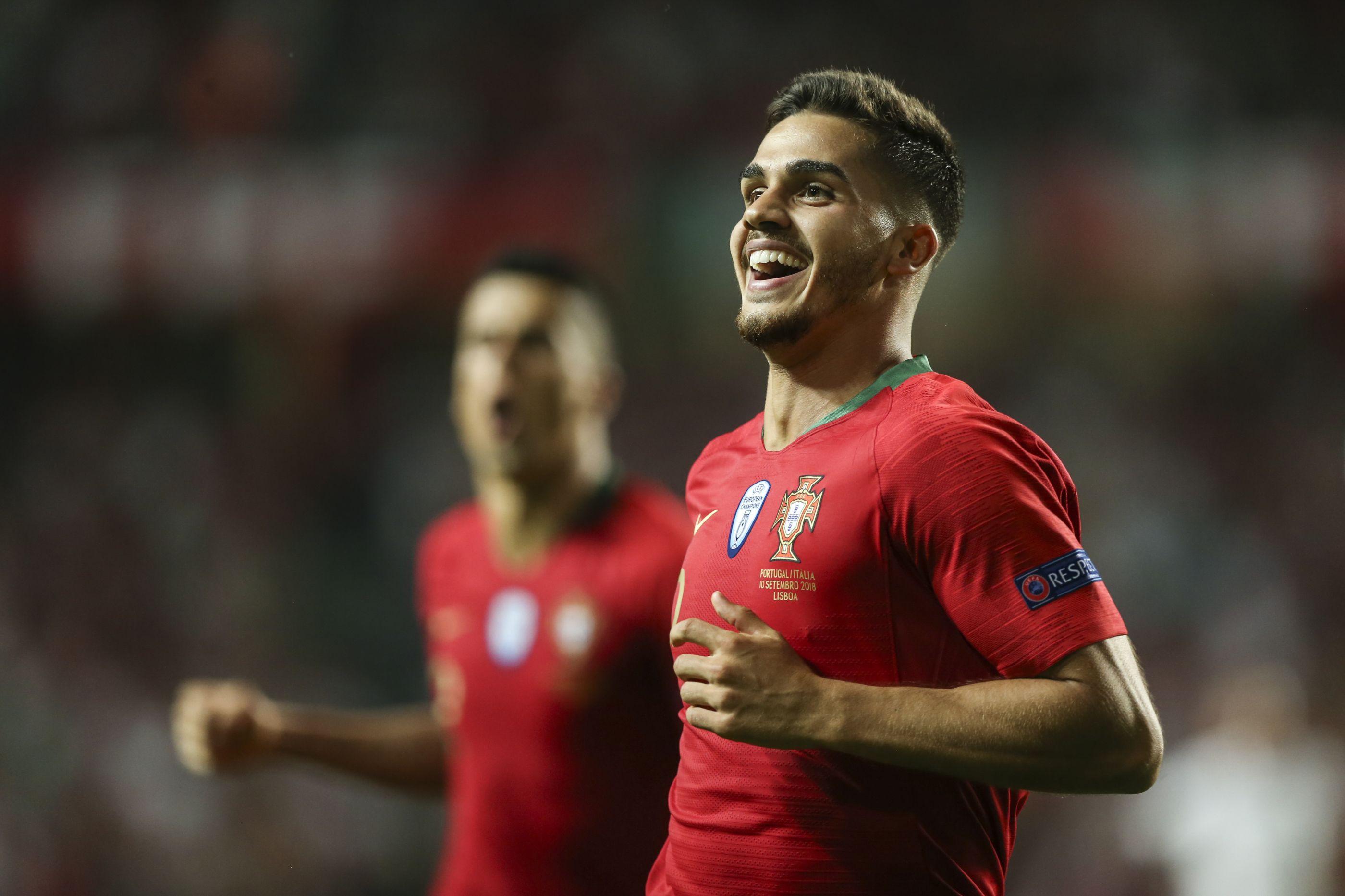 Portugal está 'Criscito' e André Silva já assina golos para a história