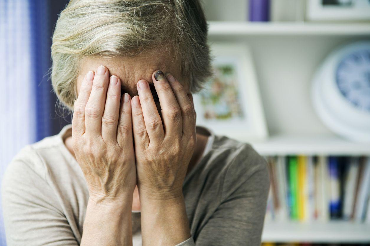 Mulher detida por violência doméstica. Agredia a mãe de 60 anos