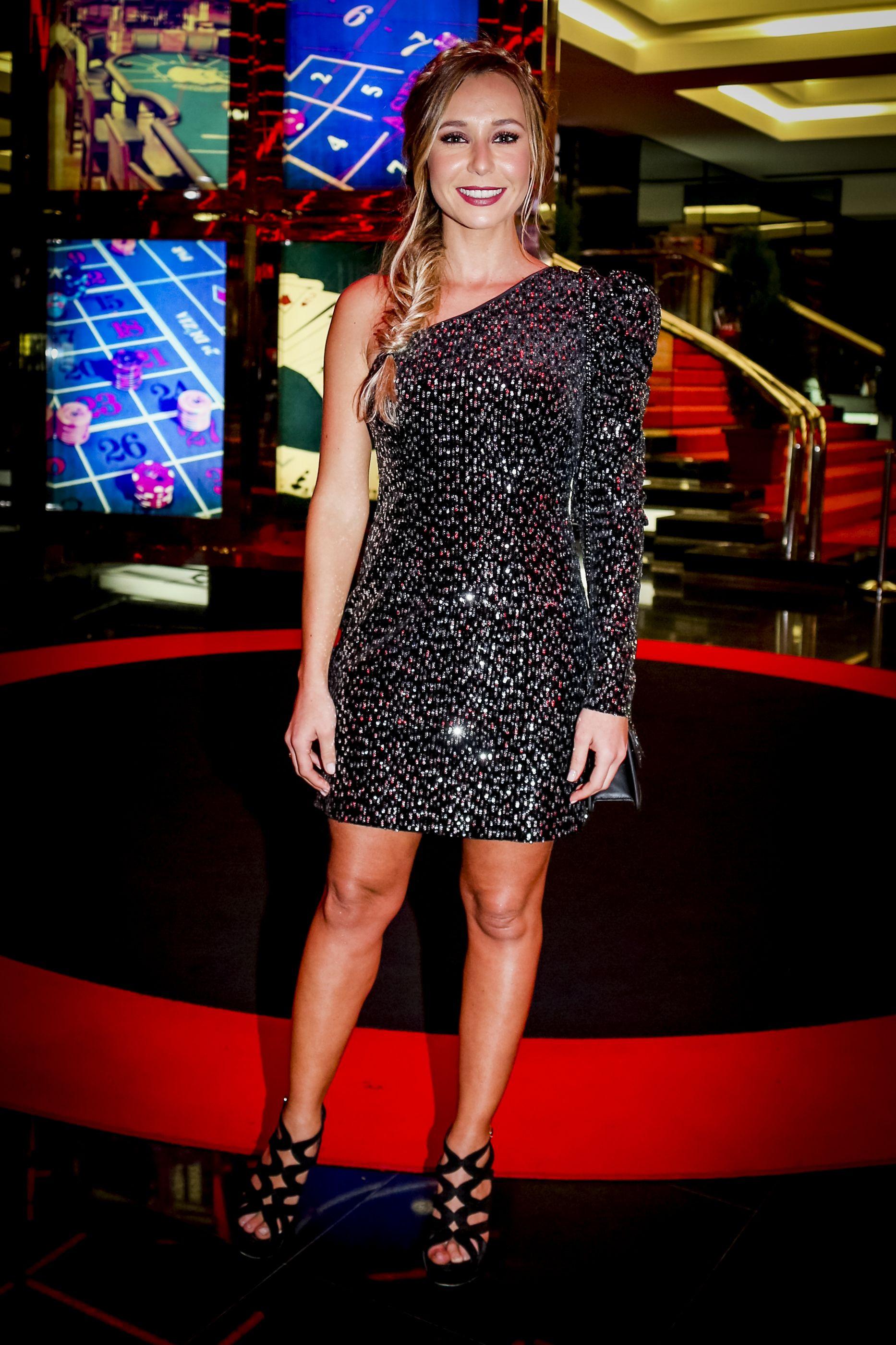 """Sofia Arruda mostra-se muito entusiasmada com nova série: """"Maravilhoso"""""""
