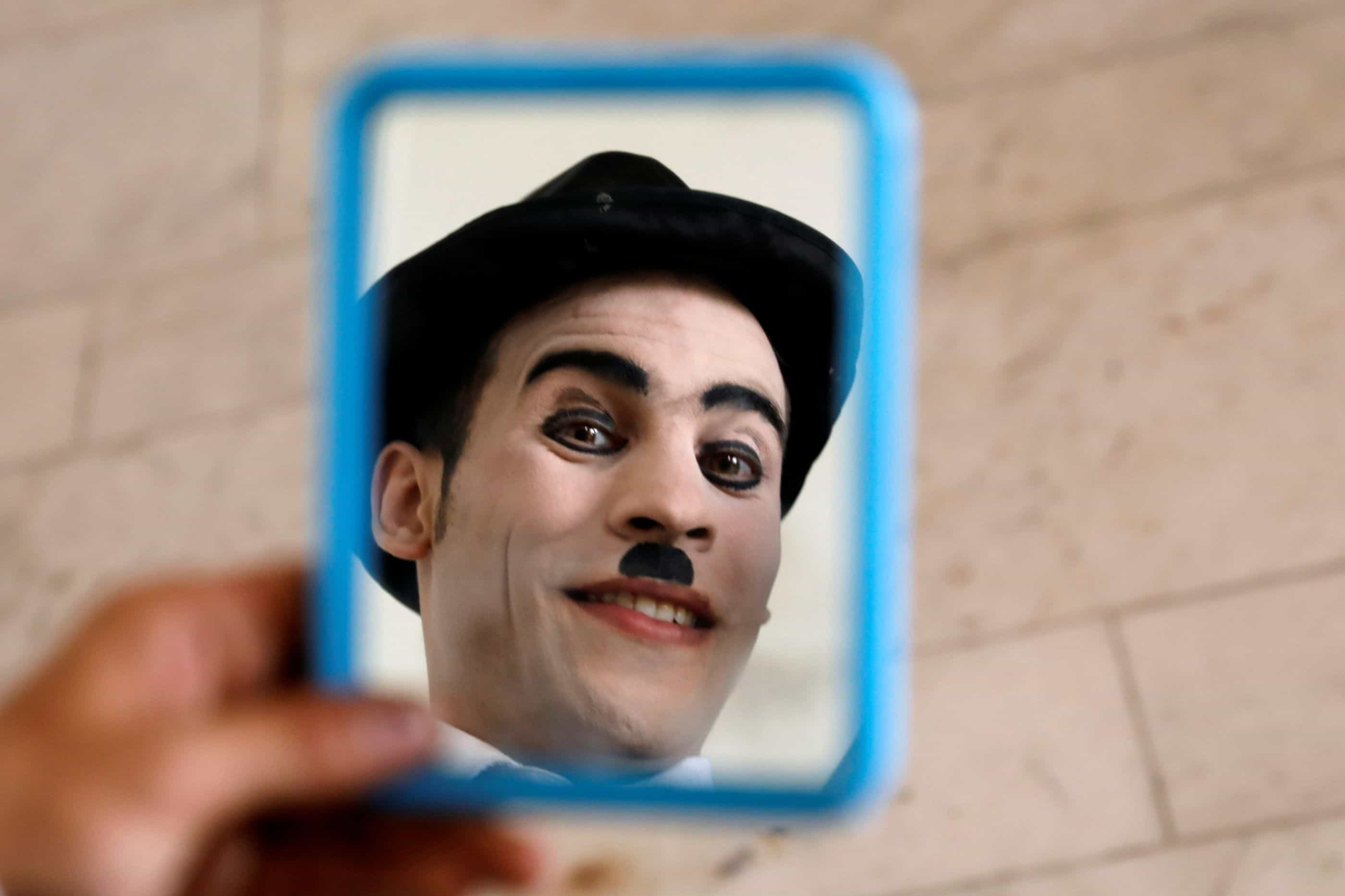 Neste país também há Charlie Chaplin: Karim, o Charlot afegão