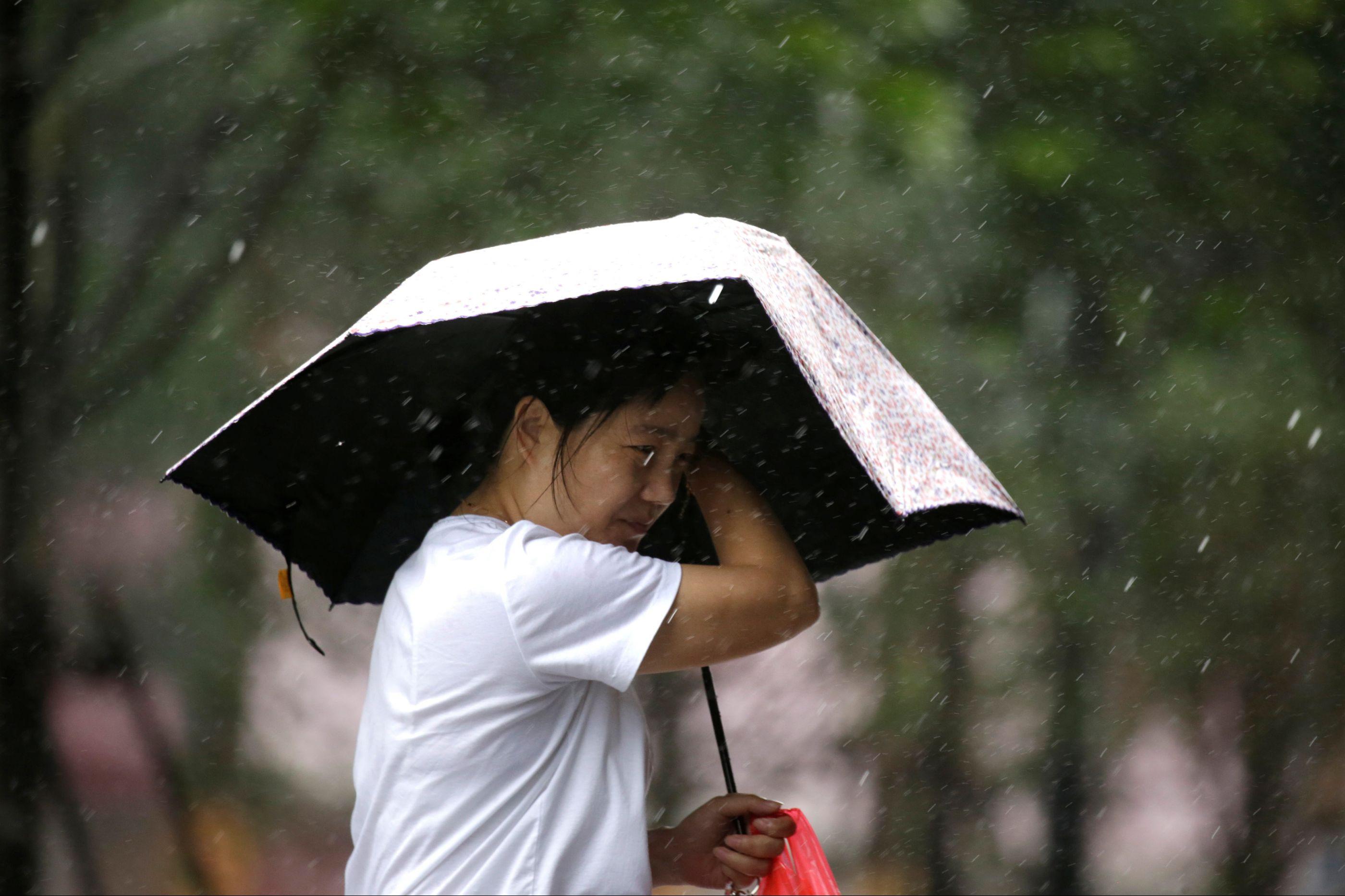 Macau emite alerta máximo de tempestade tropical