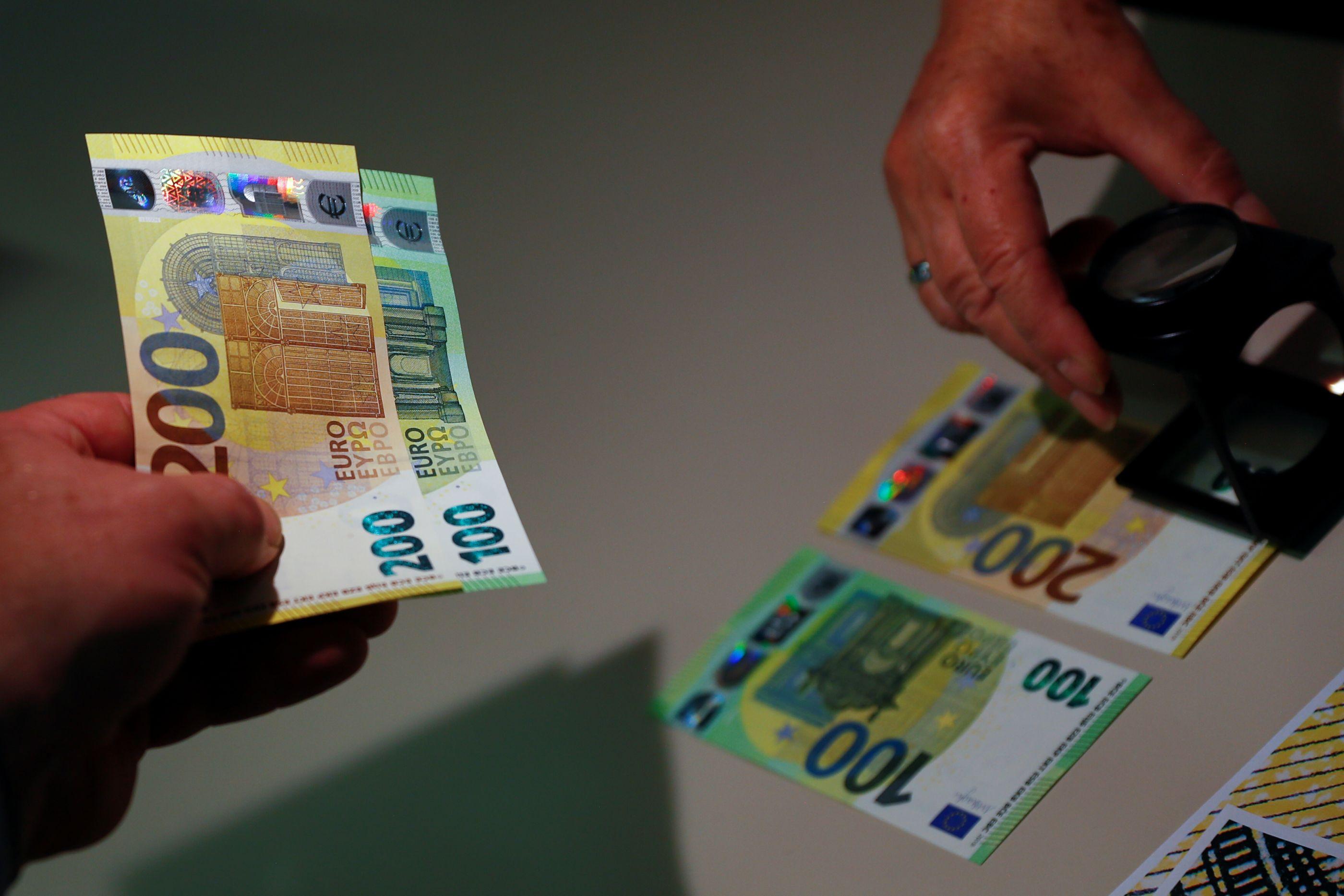 Estas serão as novas notas de 100 e 200 euros. Em maio começam a circular