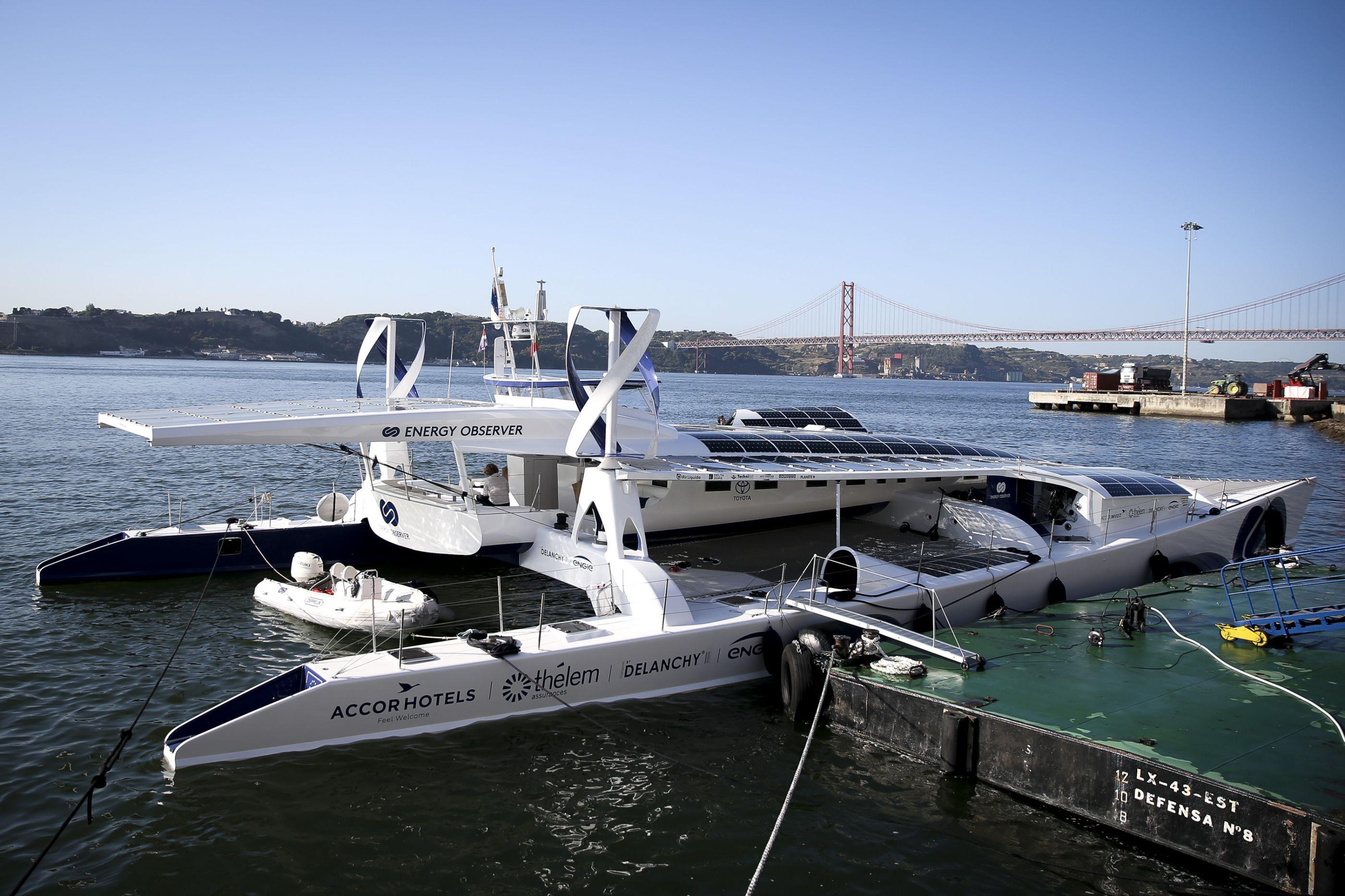 O primeiro navio a hidrogénio do mundo atracou em Lisboa. Veja as imagens