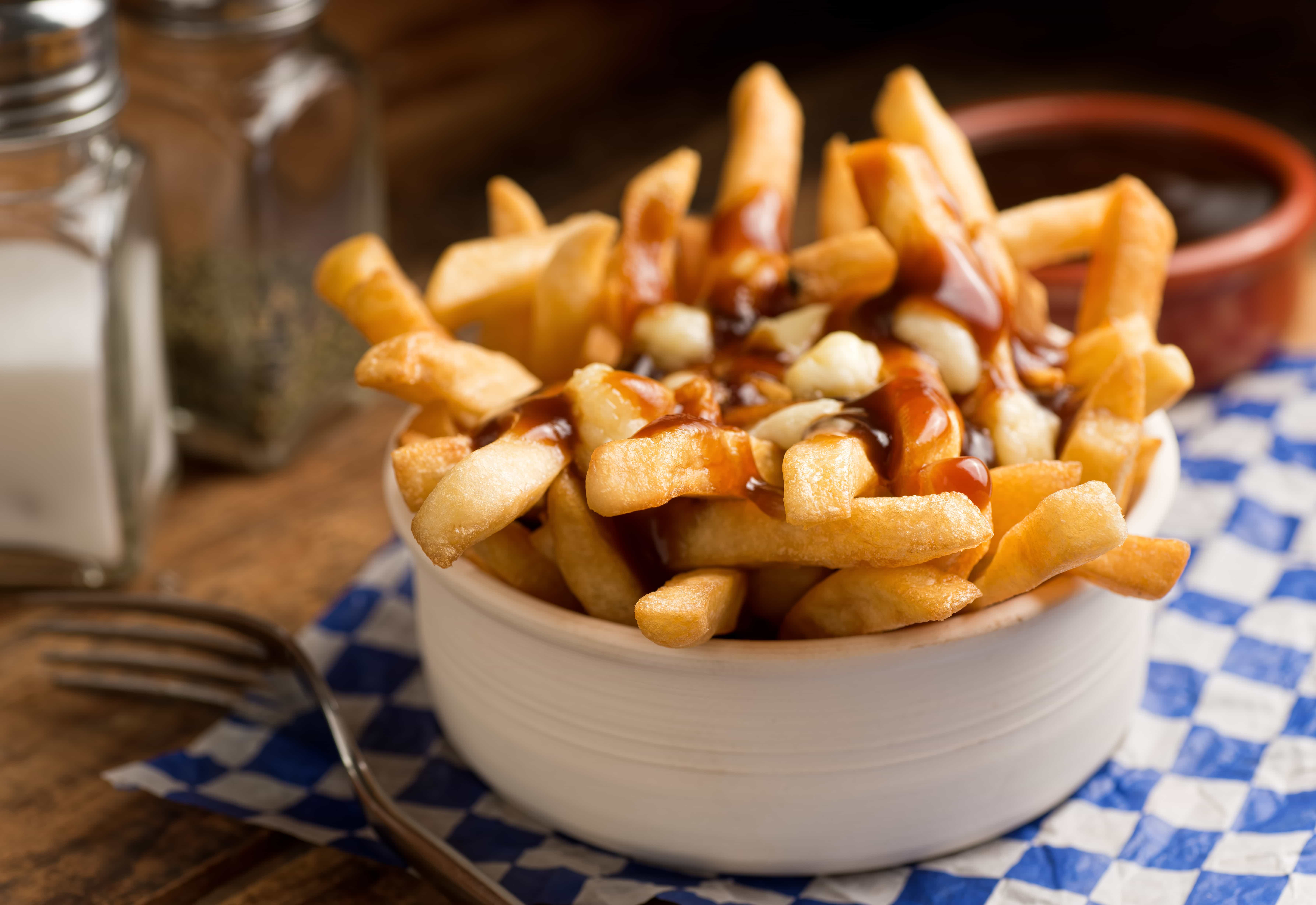 As diferentes formas como as batatas fritas são consumidas pelo mundo