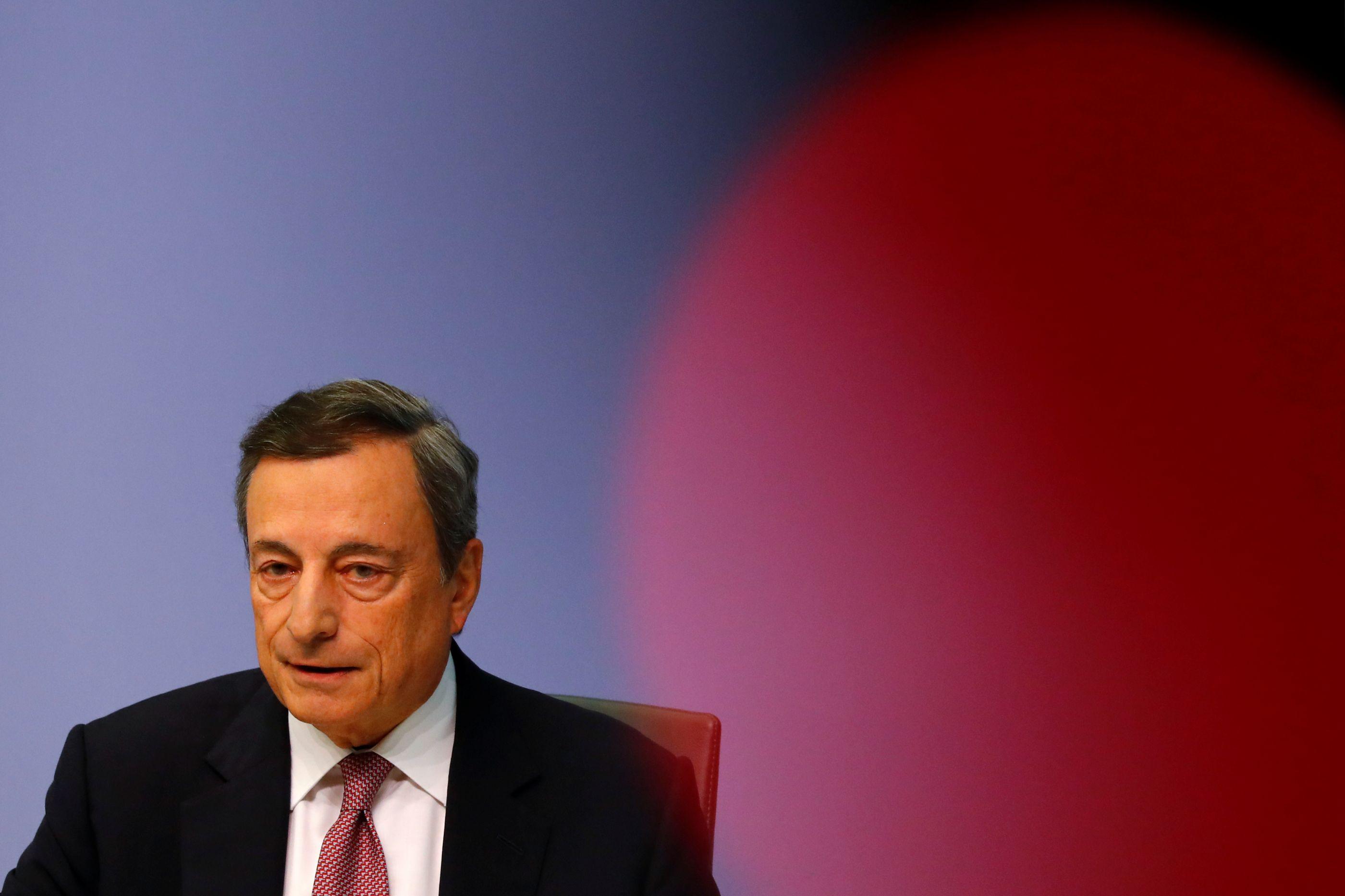 """Draghi """"surpreendeu todos"""" com a resposta à desaceleração económica"""