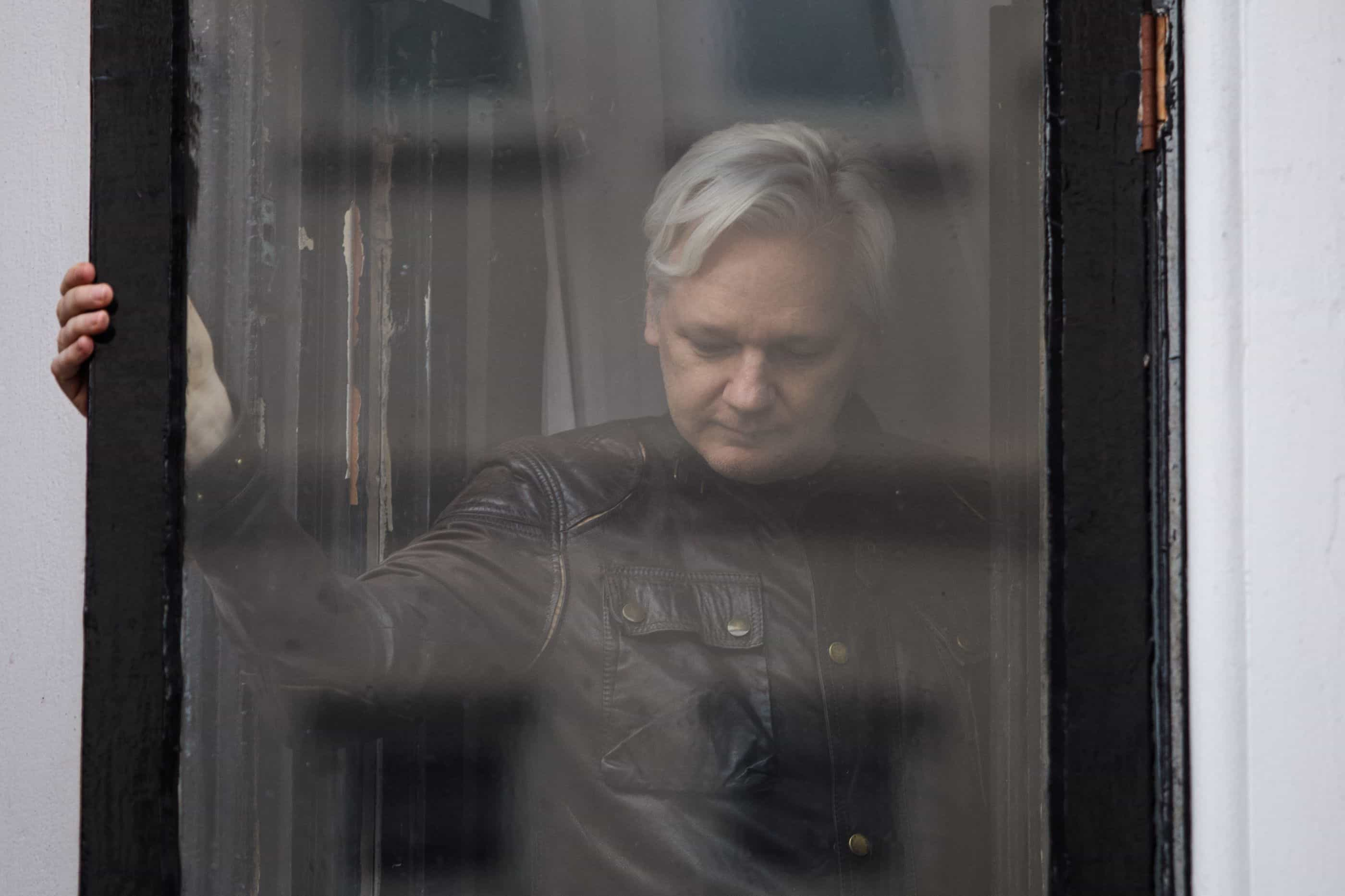 """Assange deverá ser expulso da embaixada do Equador em """"horas ou dias"""""""