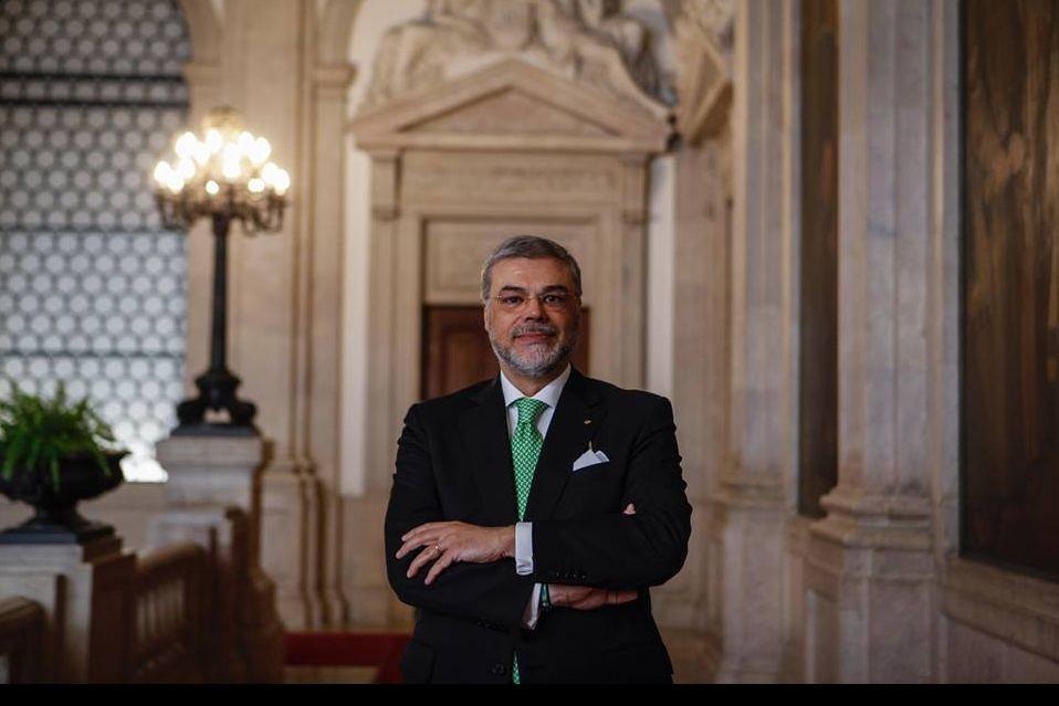 Ascenso Simões quer rever regime de remuneração e presenças dos deputados