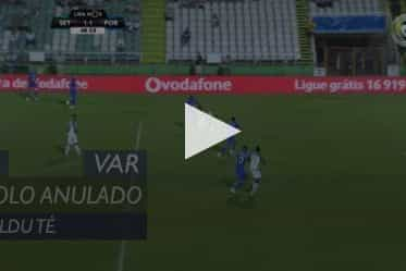 Valdu ainda festejou o empate do Vitória FC, mas o VAR estragou a festa