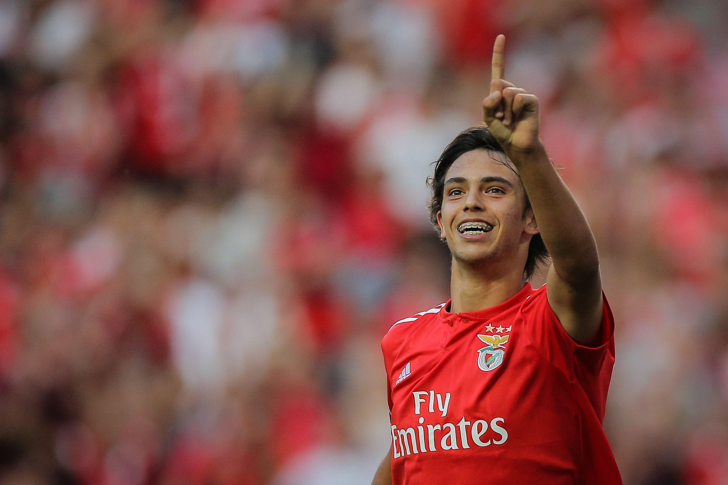 """João Félix e o futuro: """"Para já, estou no Benfica. Estou bem"""""""