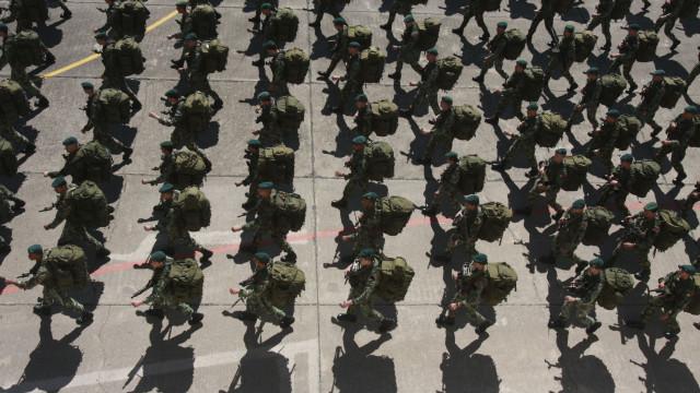 """""""Os militares não andam, nem aceitam andar, à boleia de ninguém"""""""