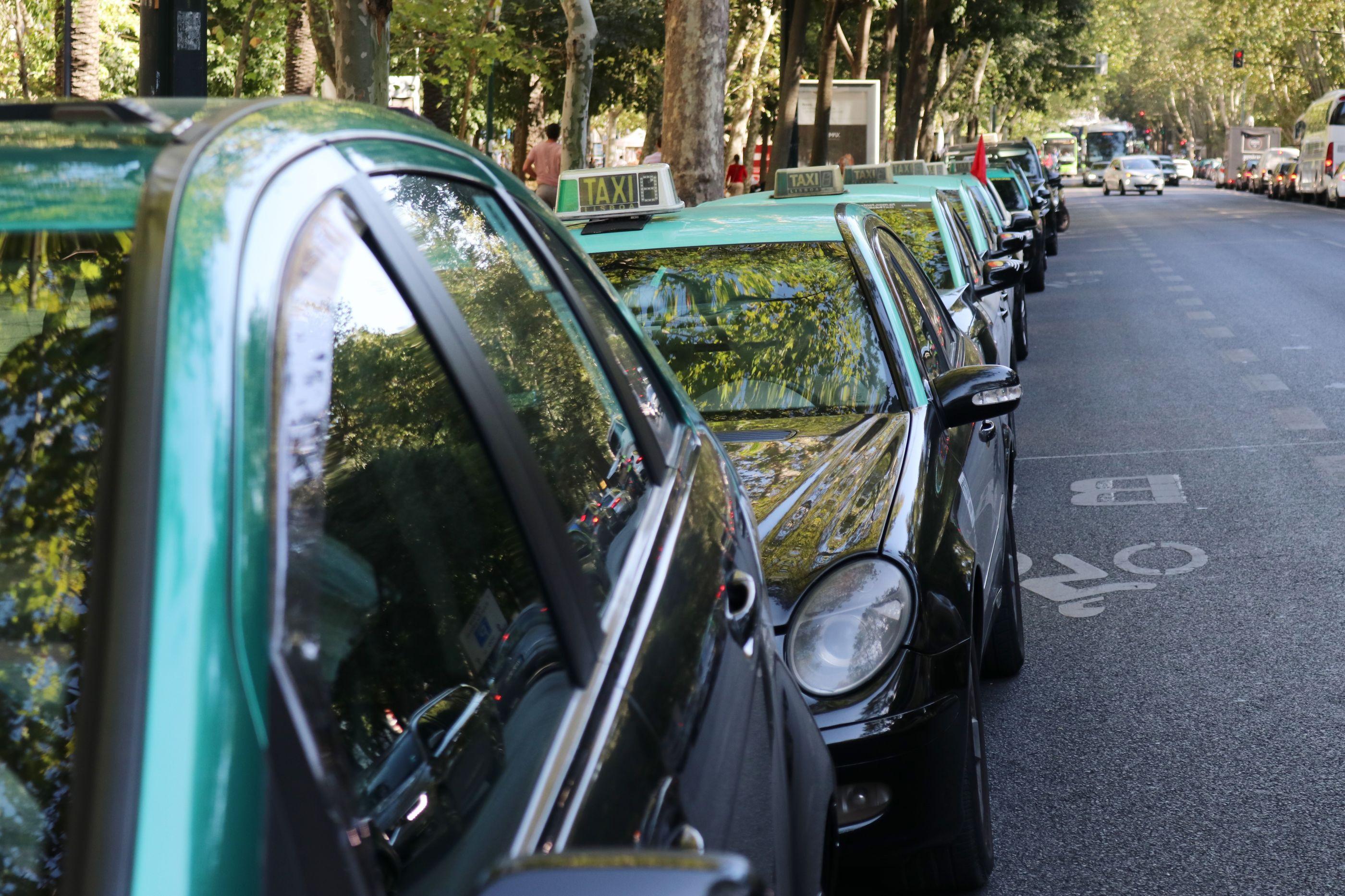 Ministério Público acusou dois suspeitos de assaltos a taxistas em Sintra