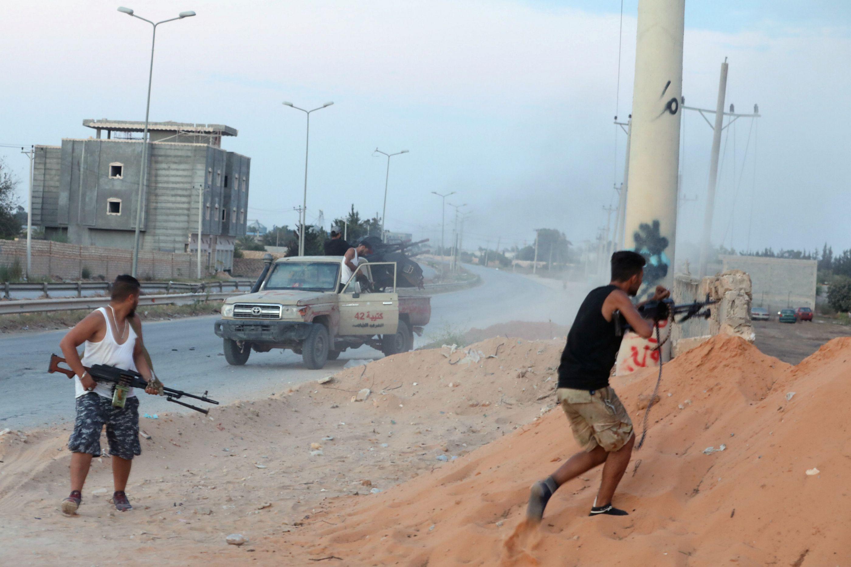 Tripoli consegue travar avanço de forças do marechal líbio Khalifa Haftar