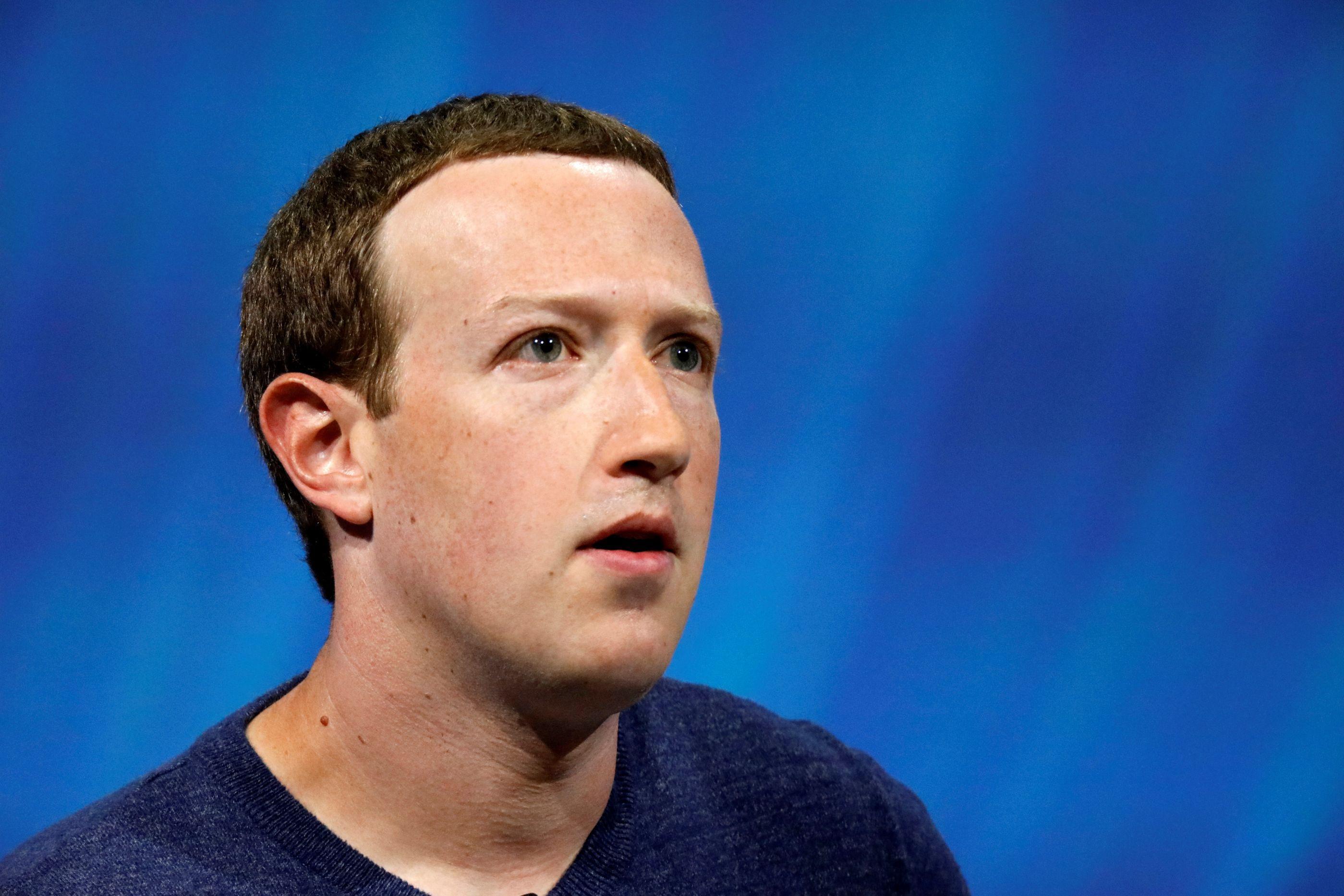 Facebook recebe multa de 10 milhões de euros