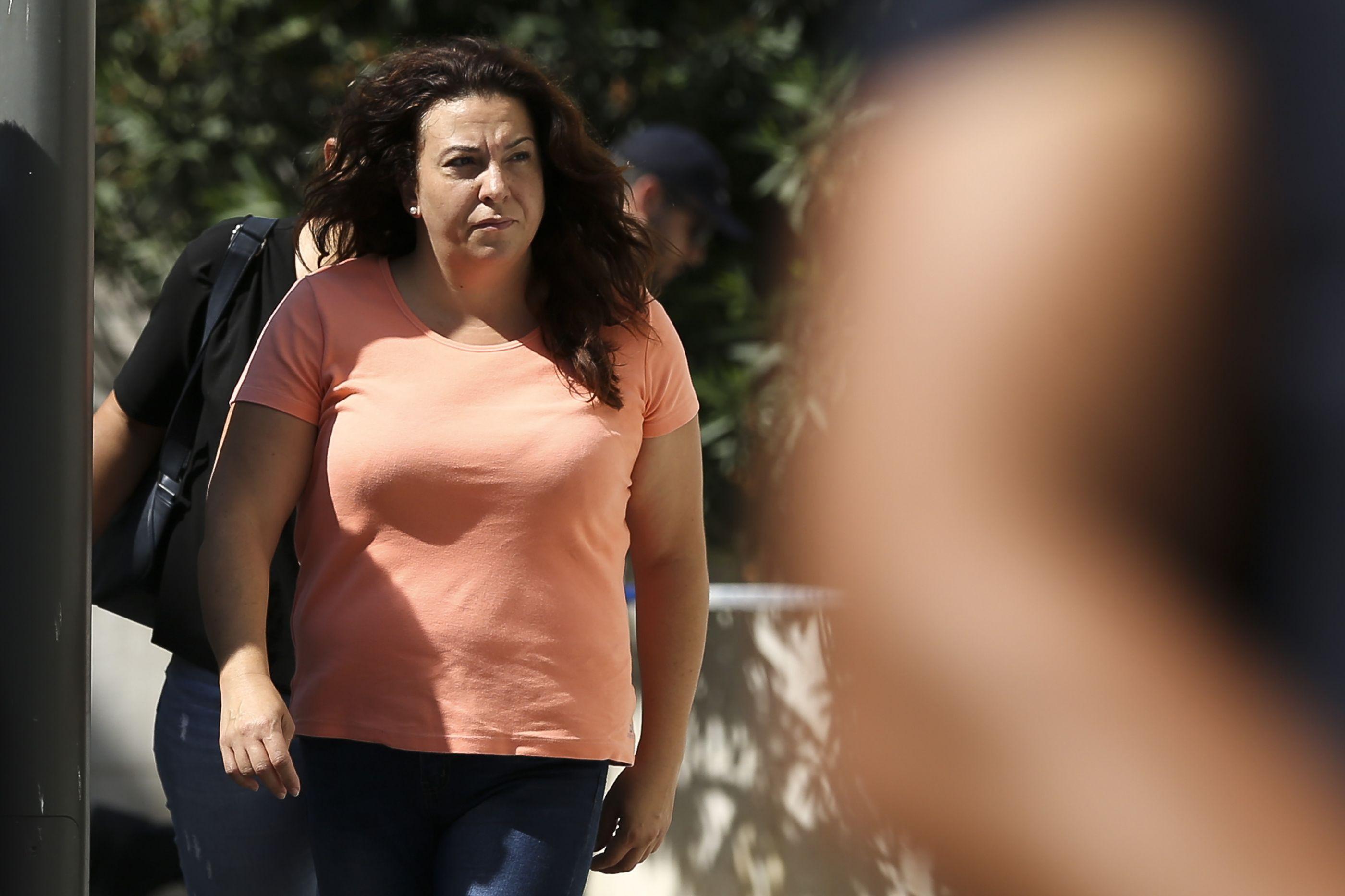 Rosa Grilo sai da prisão para assistir a audiência de custódia do filho