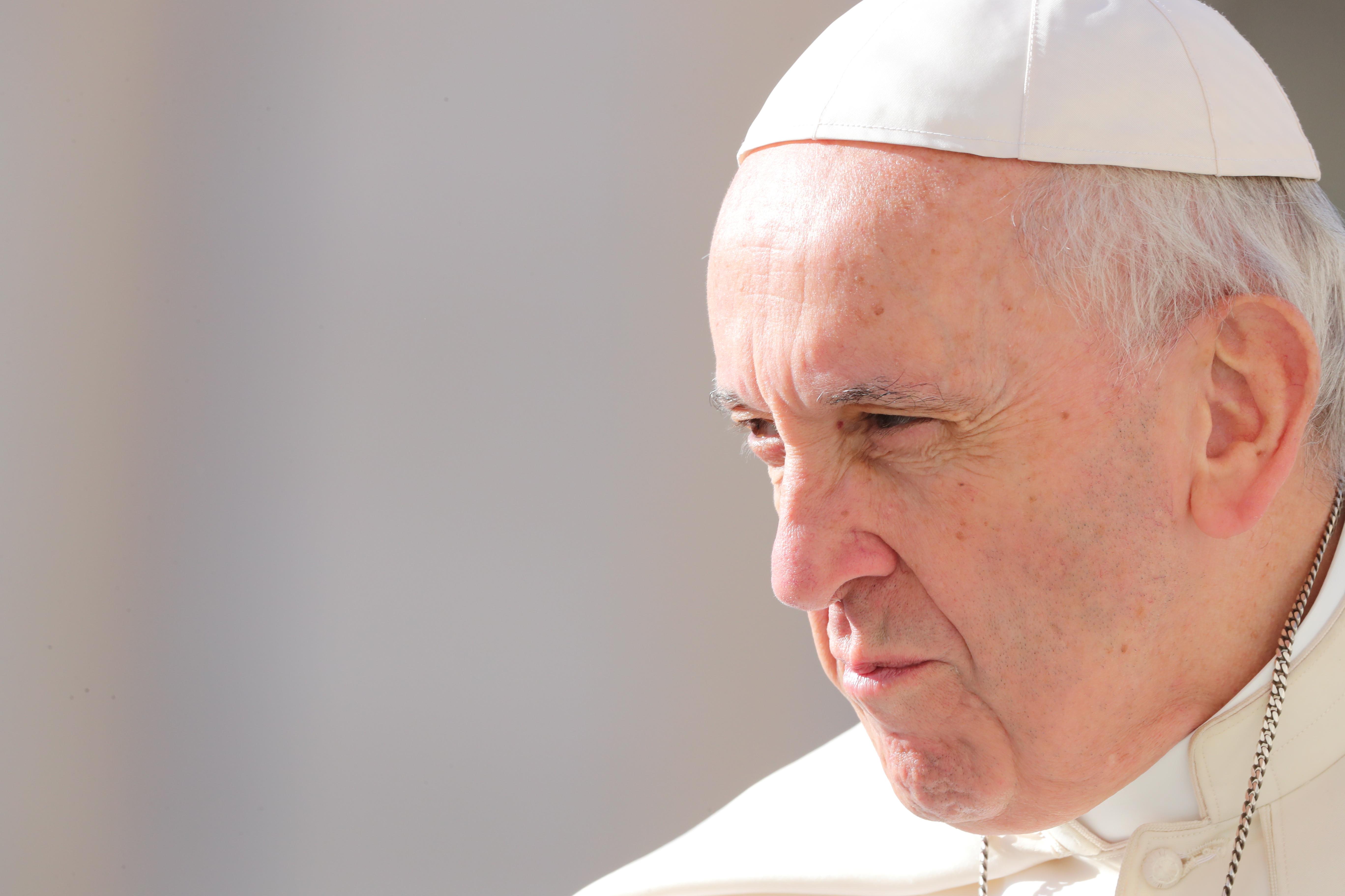 """Papa lamenta que migrantes que fogem encontrem """"portas fechadas"""""""