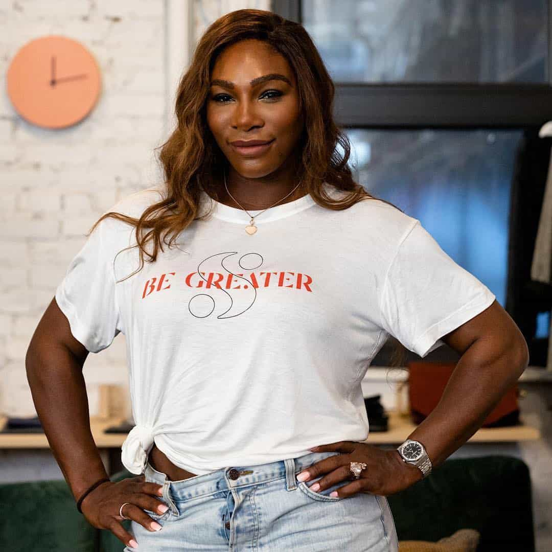 O estranho look de Serena Williams... que deixa as cuequinhas à mostra