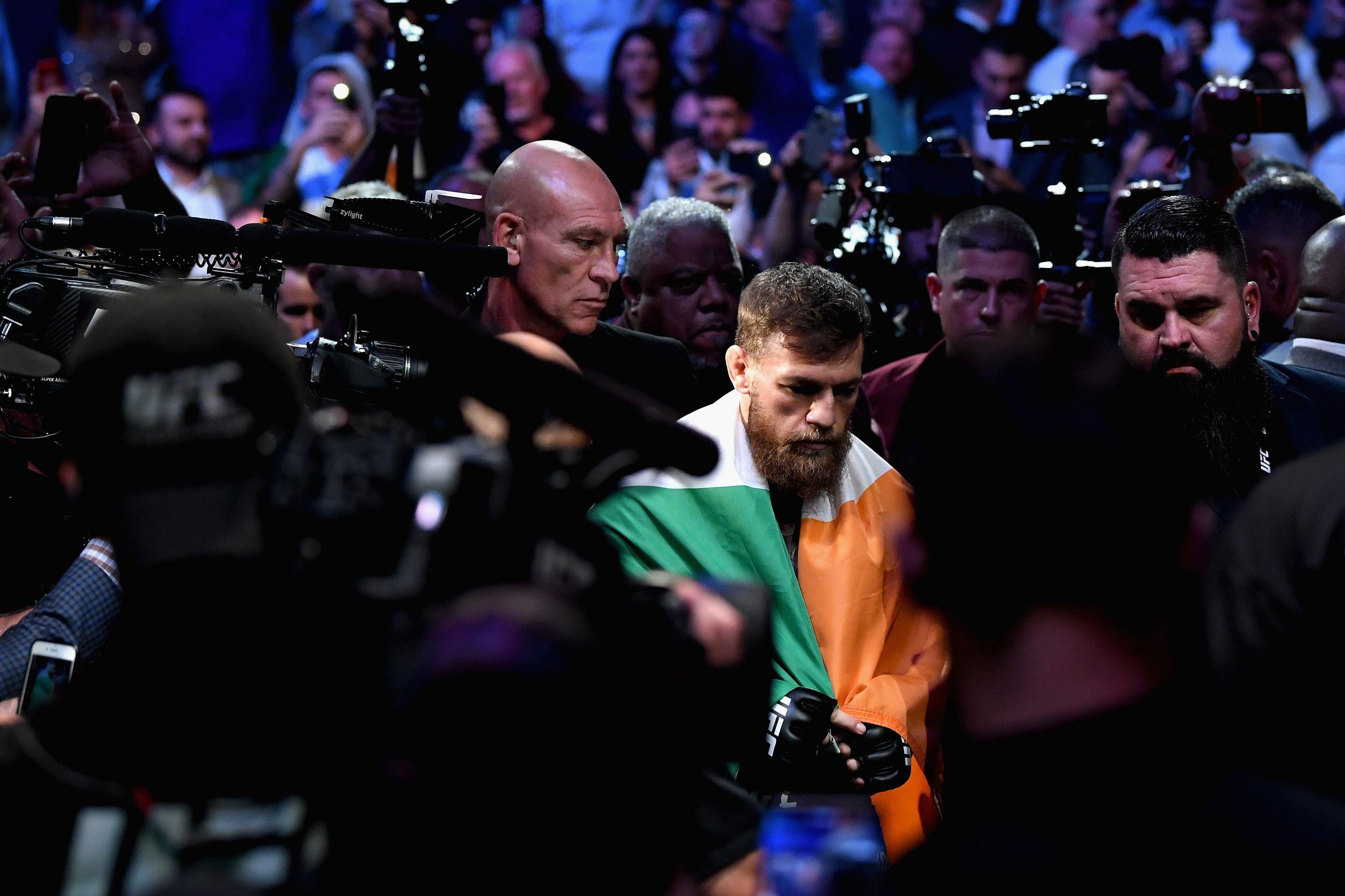 Conor McGregor surpreende 'meio mundo' e retira-se da MMA