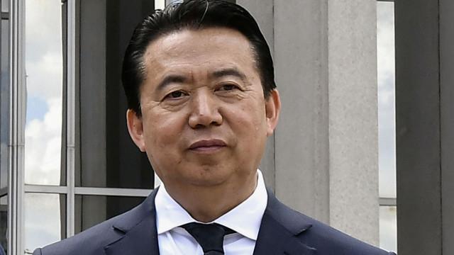 Interpol diz que presidente, preso na China, se demitiu este domingo