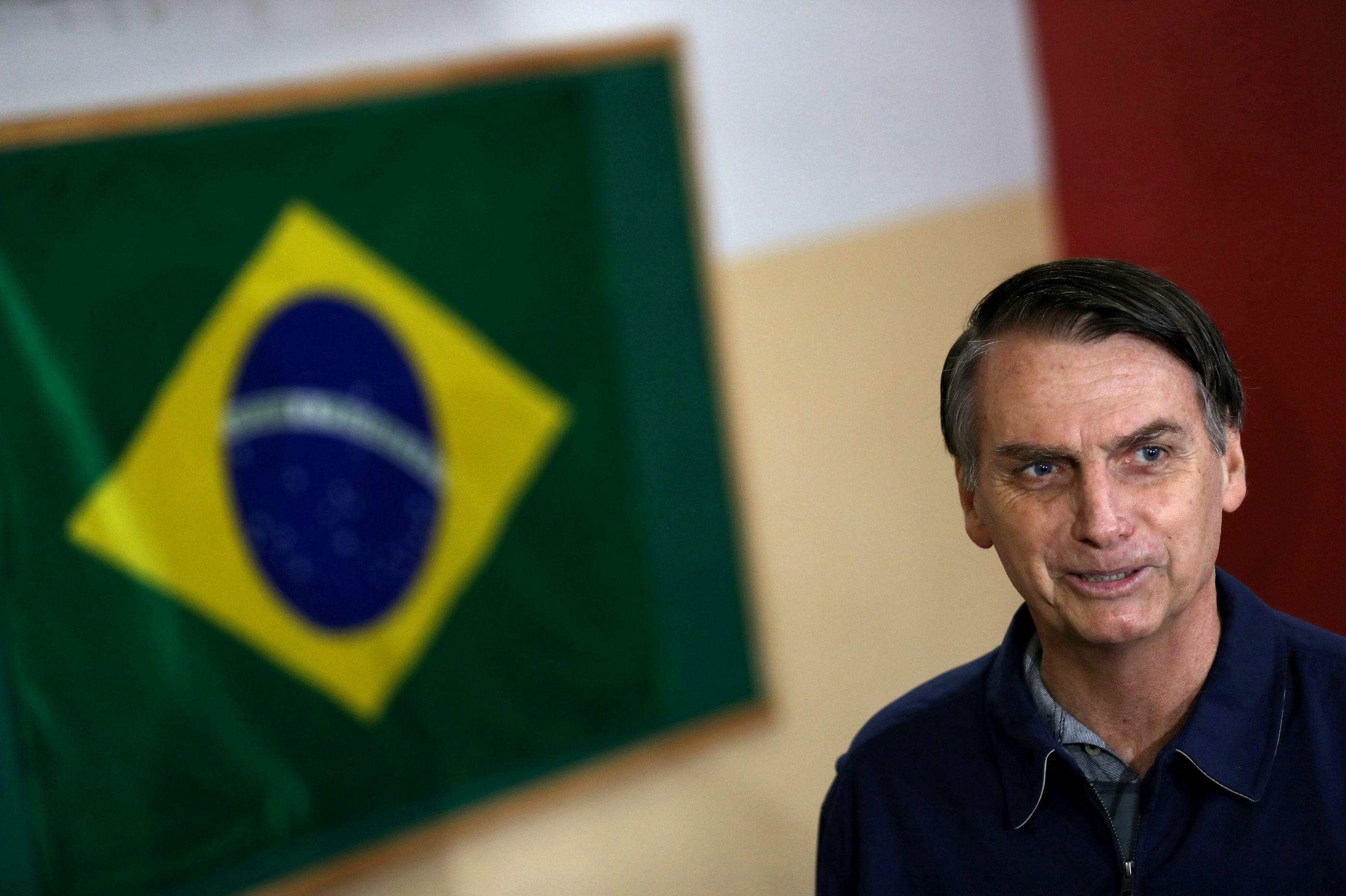 """Duas ministras em 22 ministérios é """"equilibrado"""", diz Bolsonaro"""