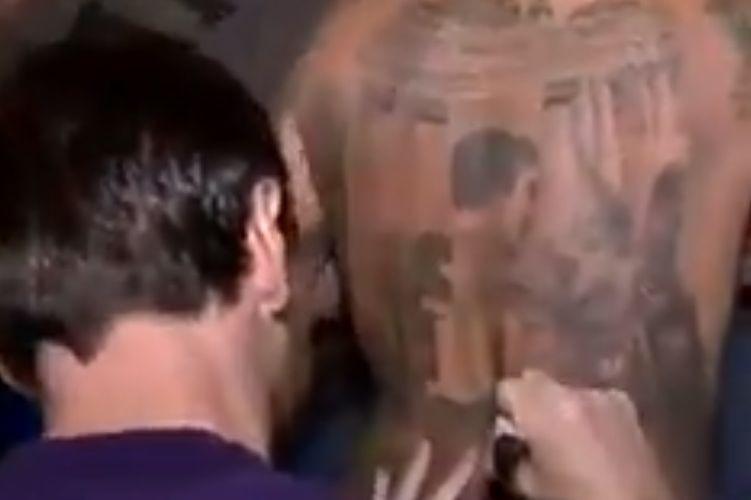 Será este o mais inusitado autógrafo da carreira de Messi?