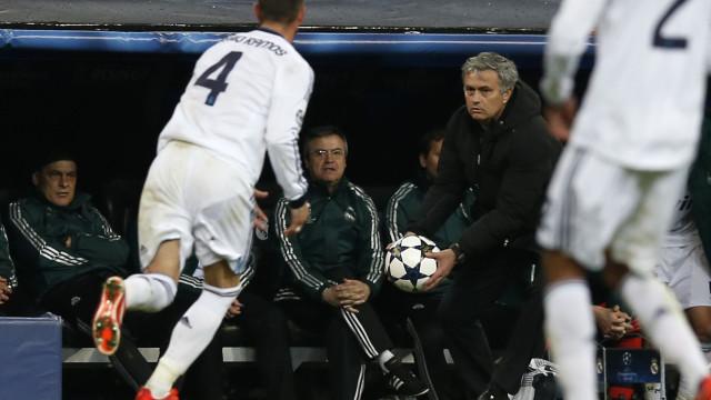 Real Madrid equaciona regresso de Mourinho