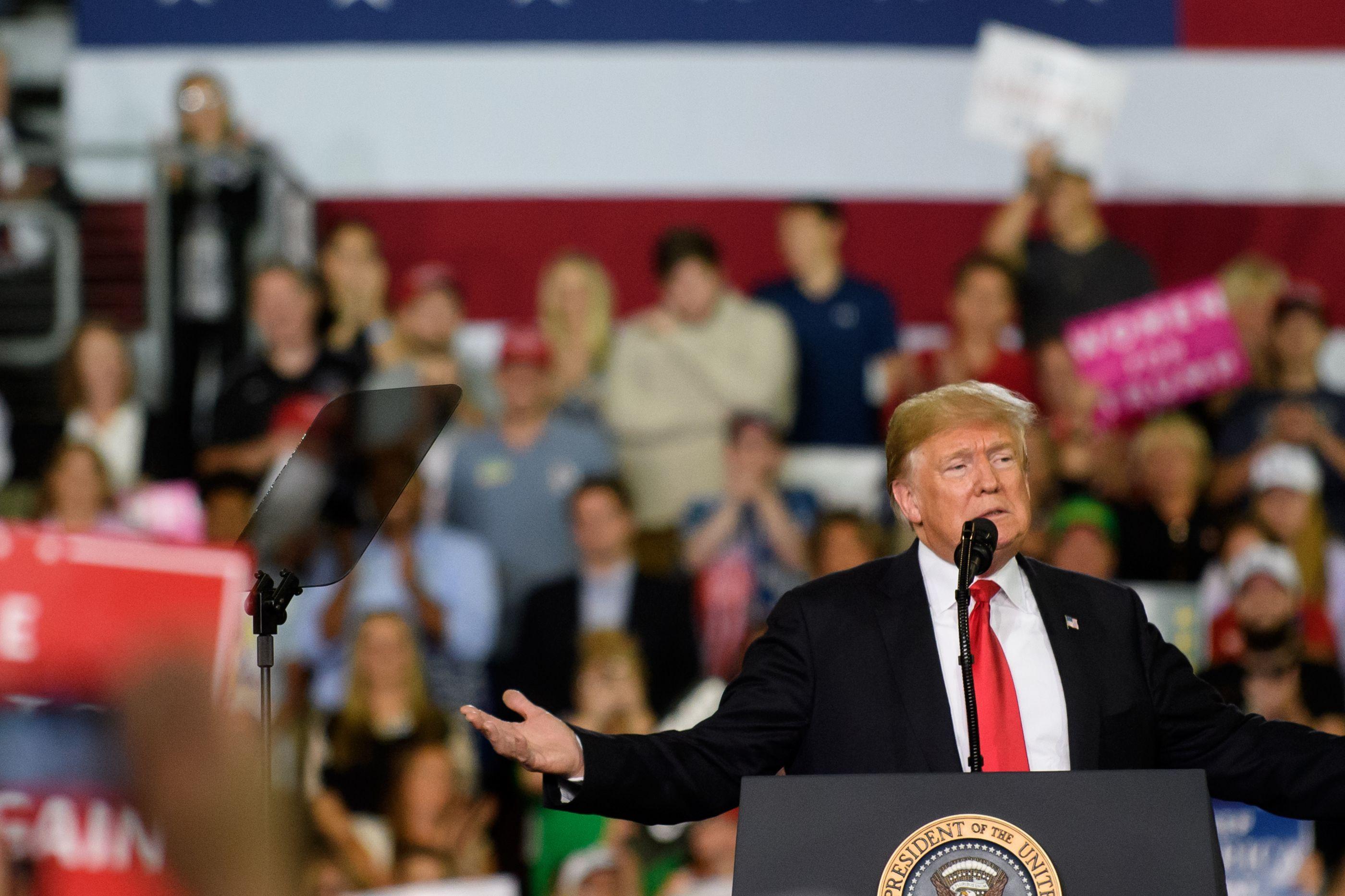 Donald Trump culpa movimento Me Too por não poder falar à vontade