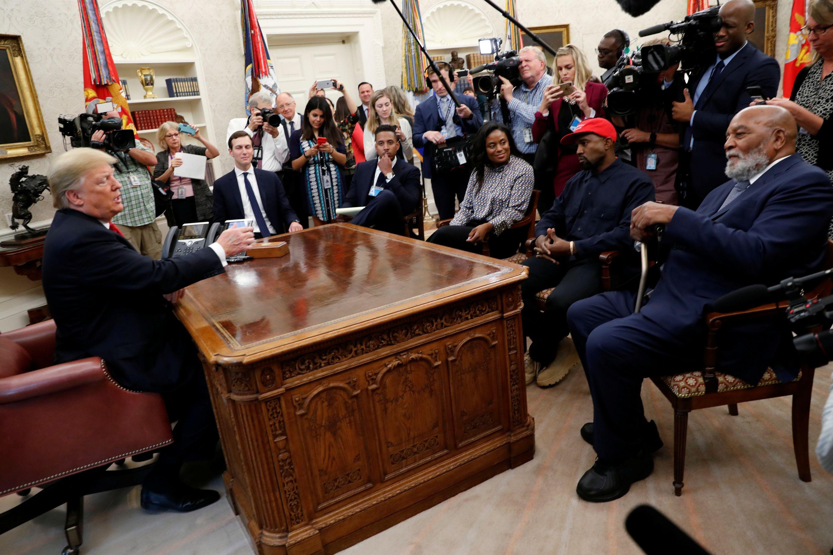 Trump abriu as portas da Casa Branca a Kanye West. Foi isto que se passou