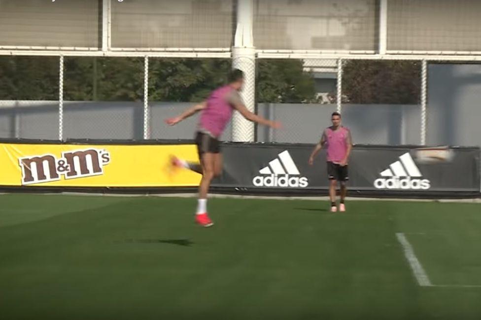 Treino da Juve, Ronaldo em destaque e golos... grandes golos
