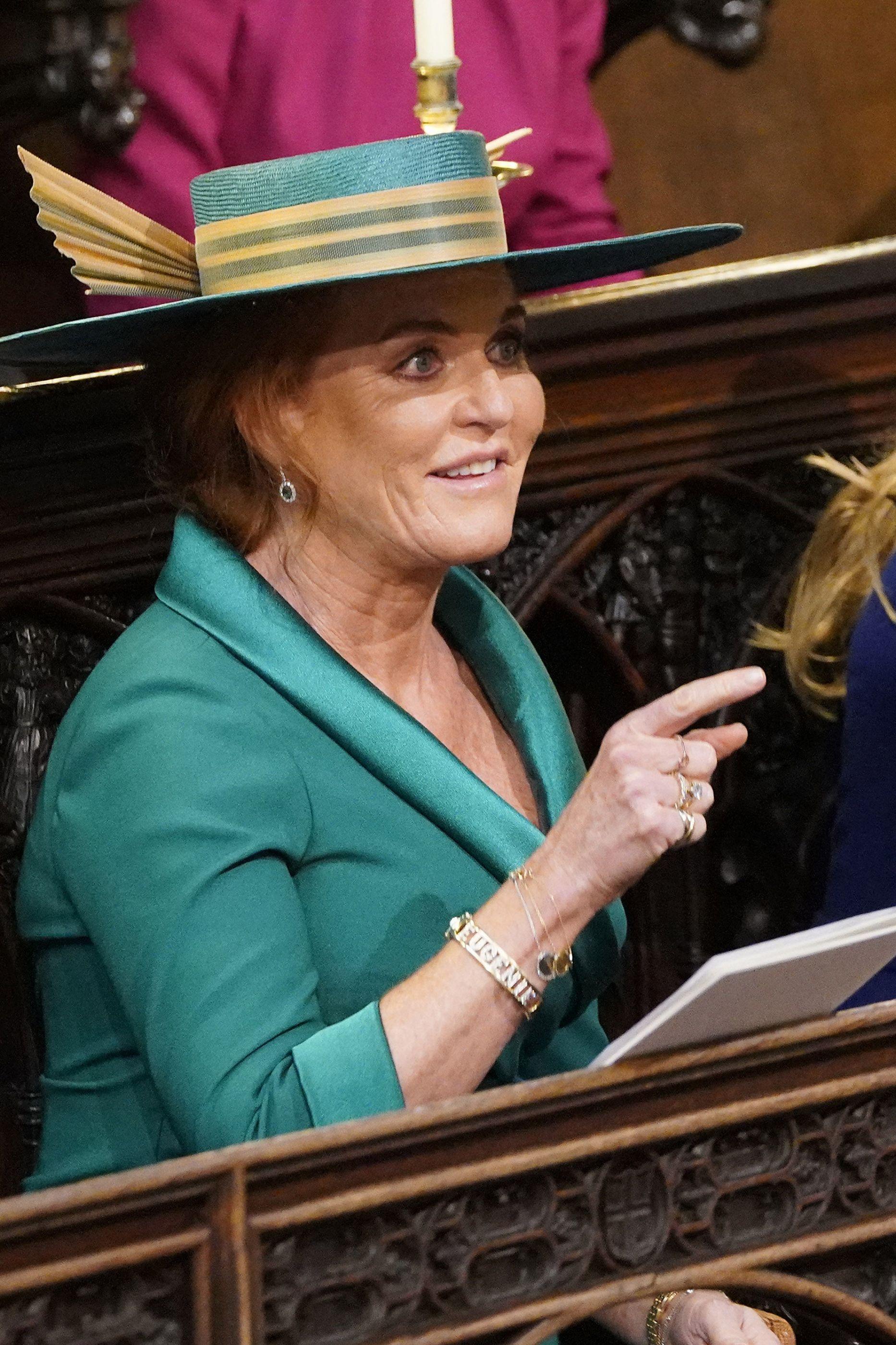 """O momento em que filha de Robbie Williams pergunta a Sarah: """"És rainha?"""""""