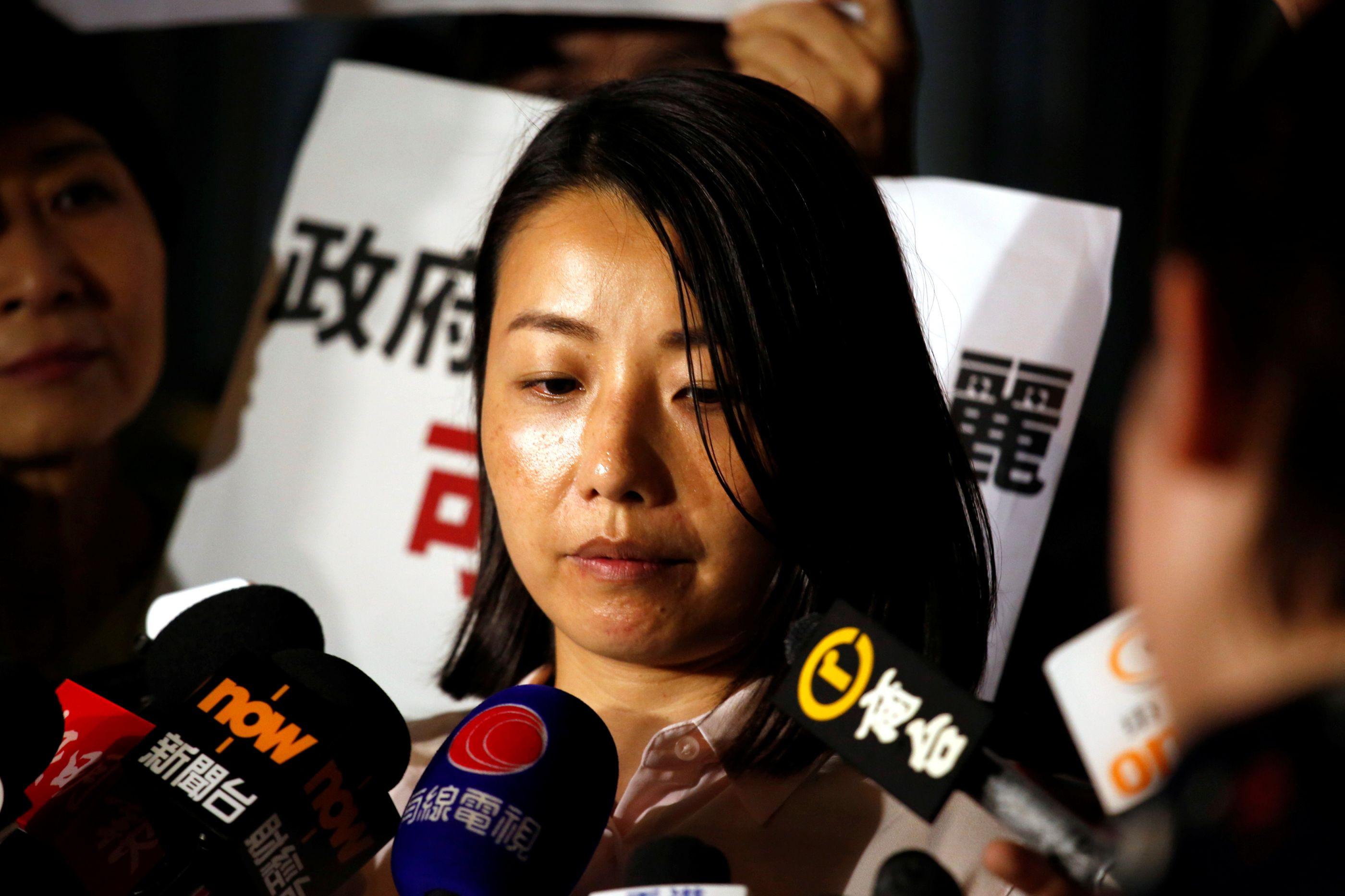 Ex-deputada pró-democracia afastada de eleições em Hong Kong